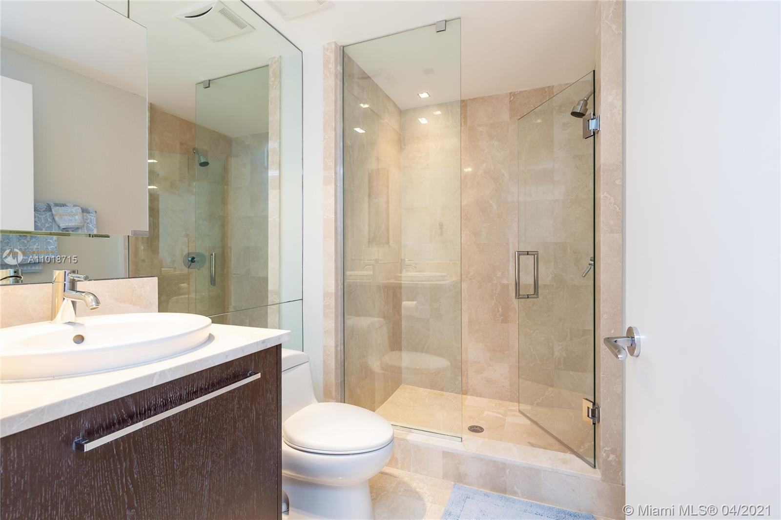 17121 Collins Ave #4208 photo024