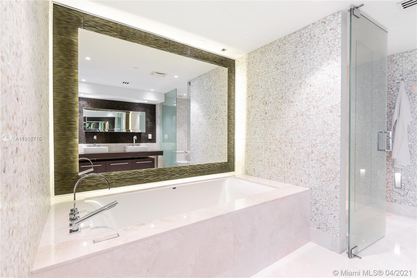 17121 Collins Ave #4208 photo08