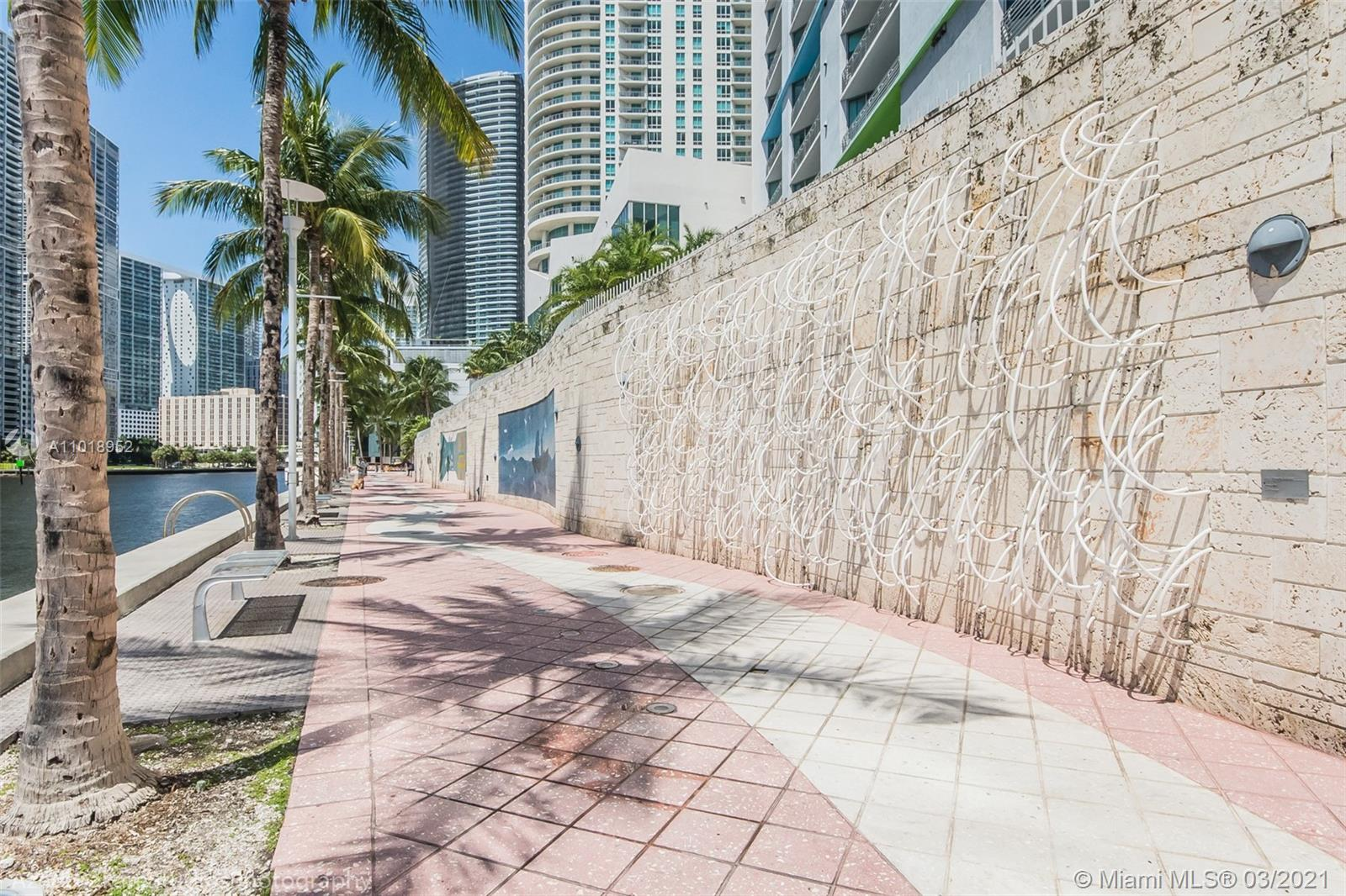 335 S Biscayne Blvd #1705 photo059