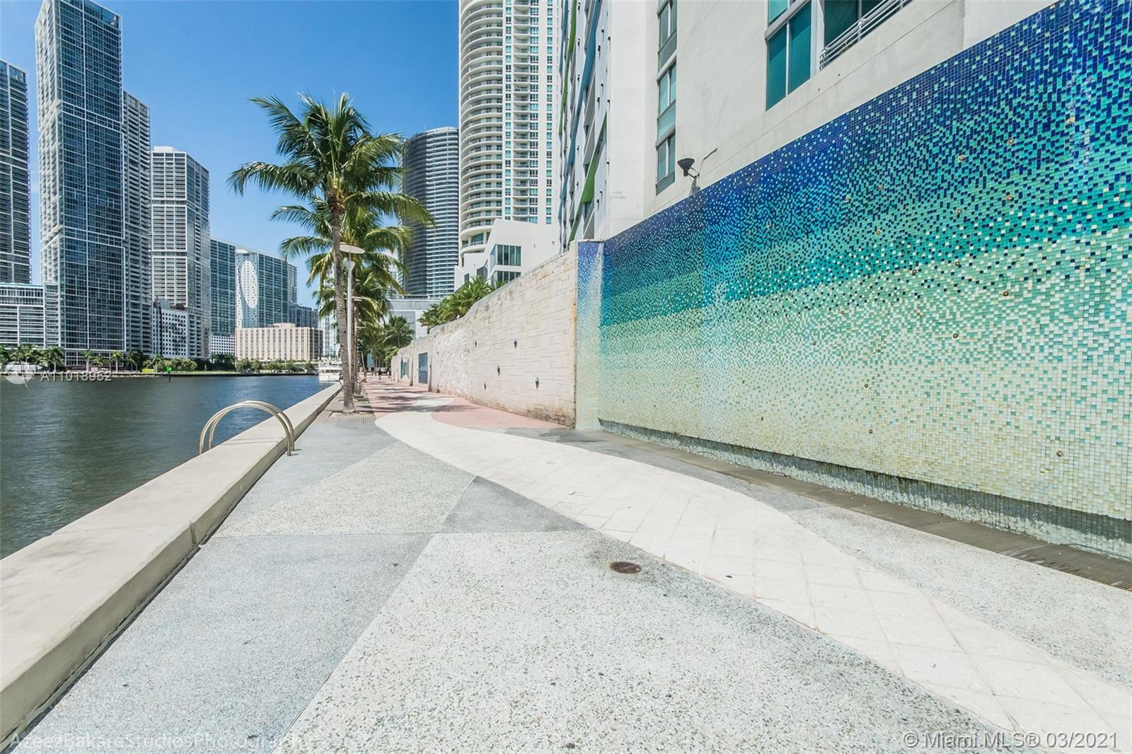 335 S Biscayne Blvd #1705 photo058