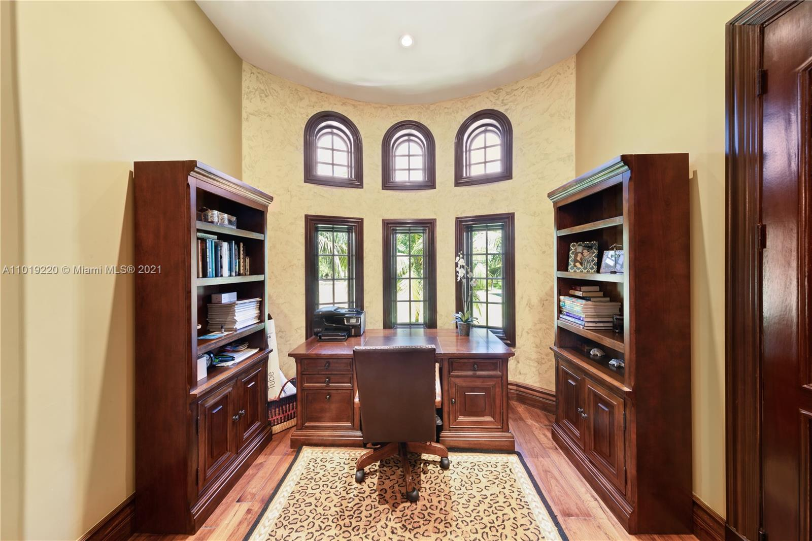 MASTER OFFICE OVERLOOKING GOLFCOURSE WITH A VIEW OF THE BEACH AT THE GROTTO.. NICE VIEW..