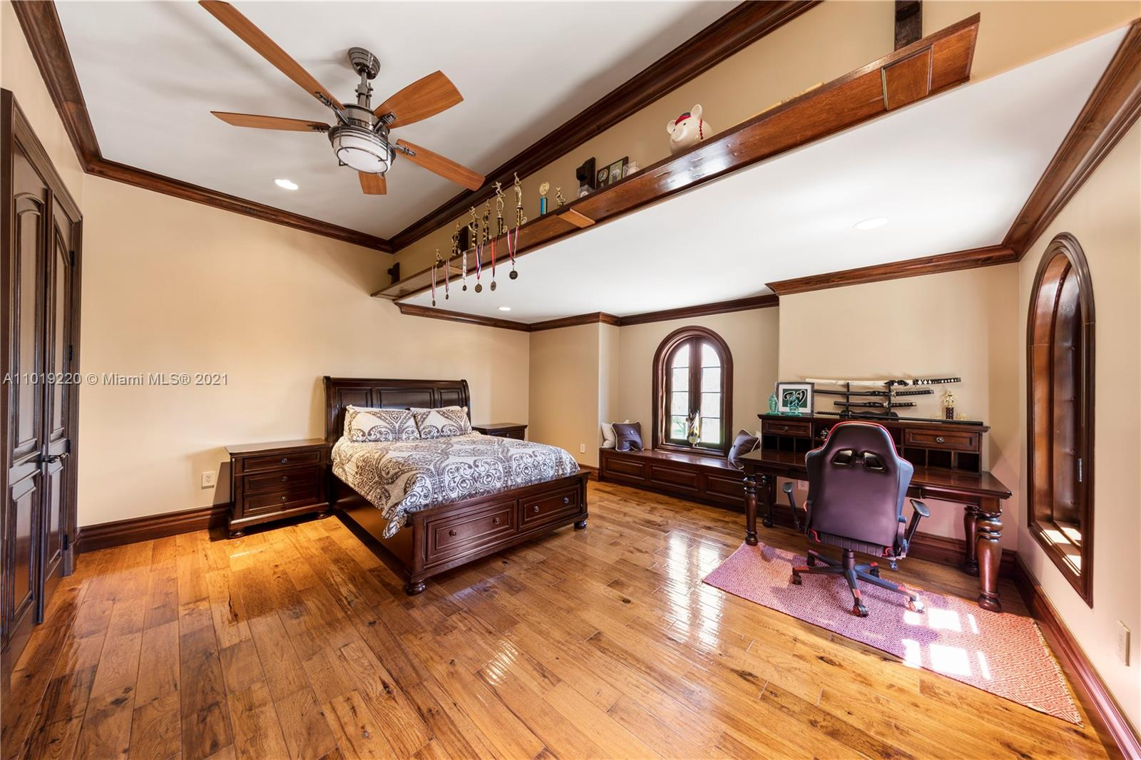THE KIDS ROOMS ARE IDENTICAL IN SIZE, SO NO ROOM FIGHTING! BOTH HAVE A TROPHY WALL, FINISHED CLOSETS, GREAT LIGHTING WITH DESK SPACE.THEY SHARE A JACK AND JILL BATH AS WELL AS AN AMAZING TERRACE.