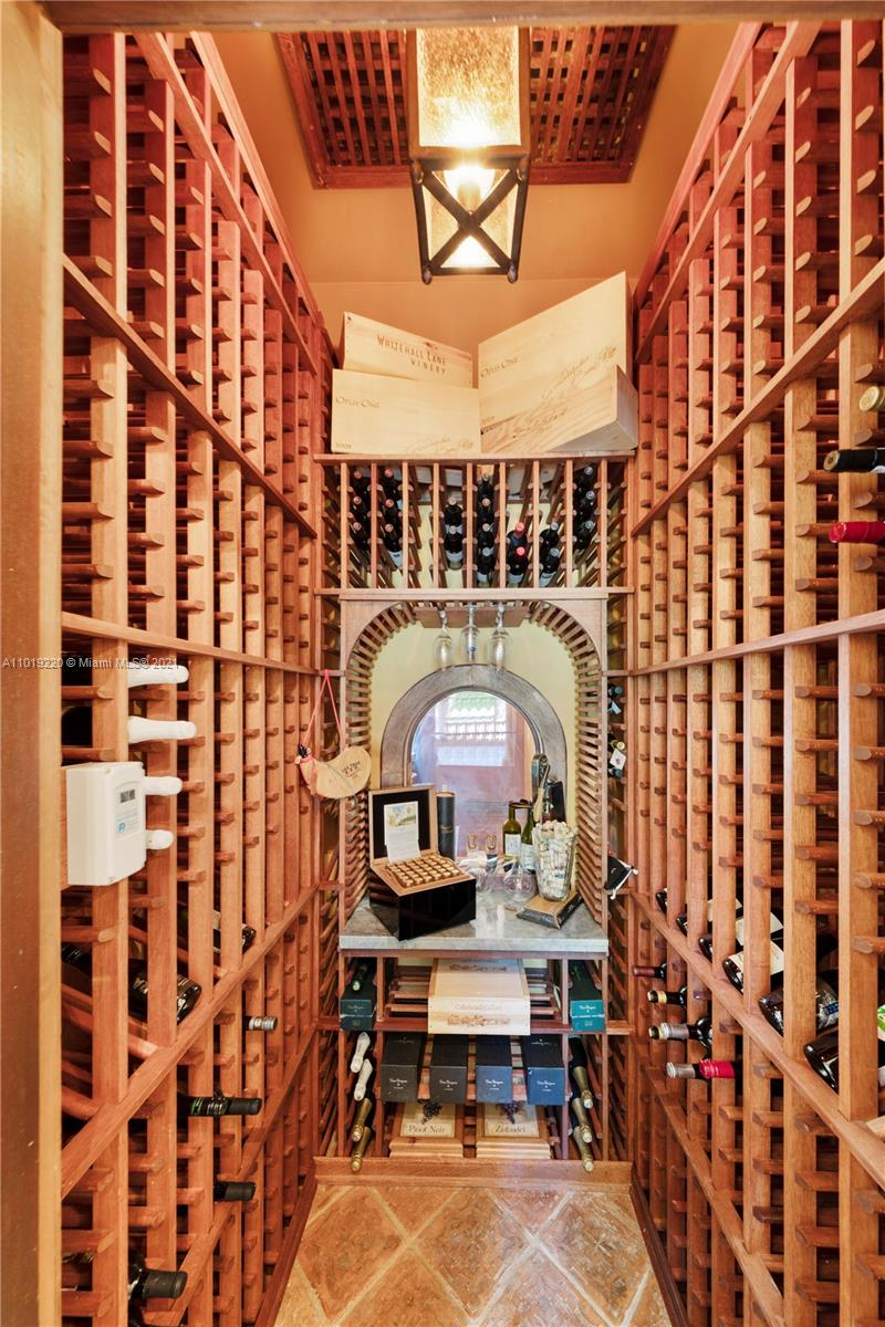 THE WINE CLOSET HOLDS 800 BOTTLES WITH INDEPENDENT TEMPERATURE CONTROLS SYSTEM. THE