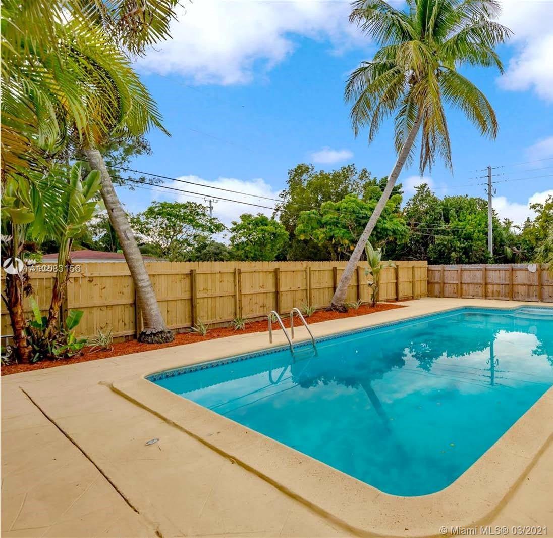 North Miami Beach - 1400 NE 175th St, North Miami Beach, FL 33162