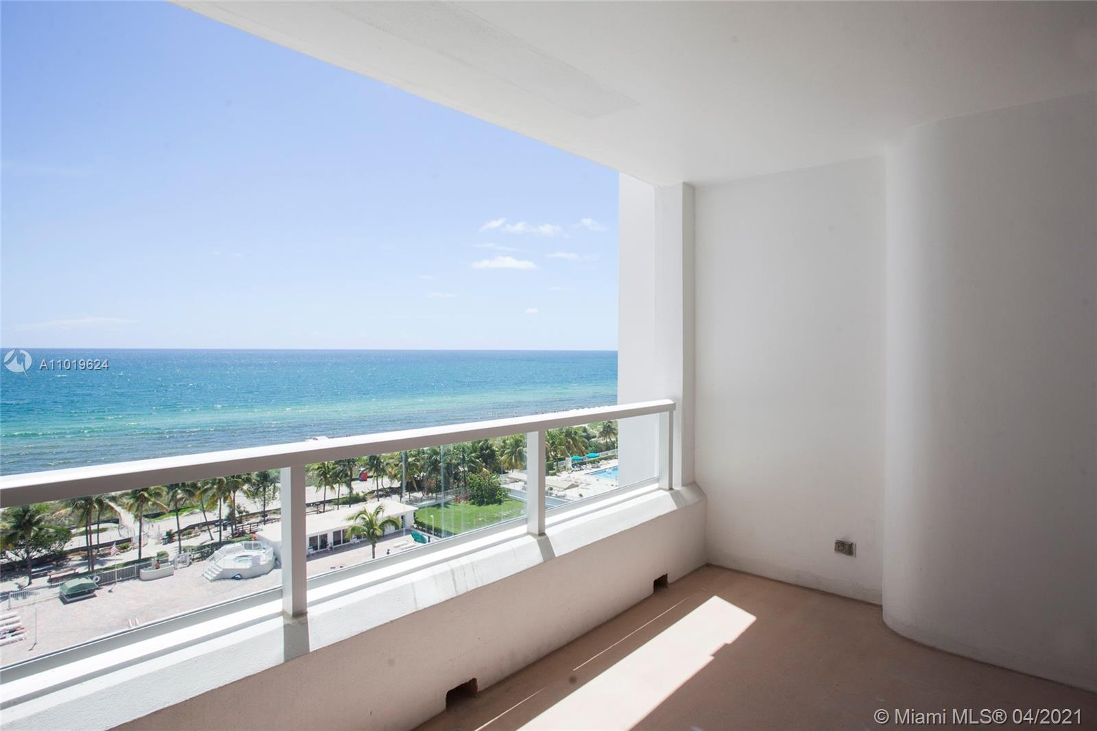 Carriage Club North Tower #915 - 5005 Collins Ave #915, Miami Beach, FL 33140