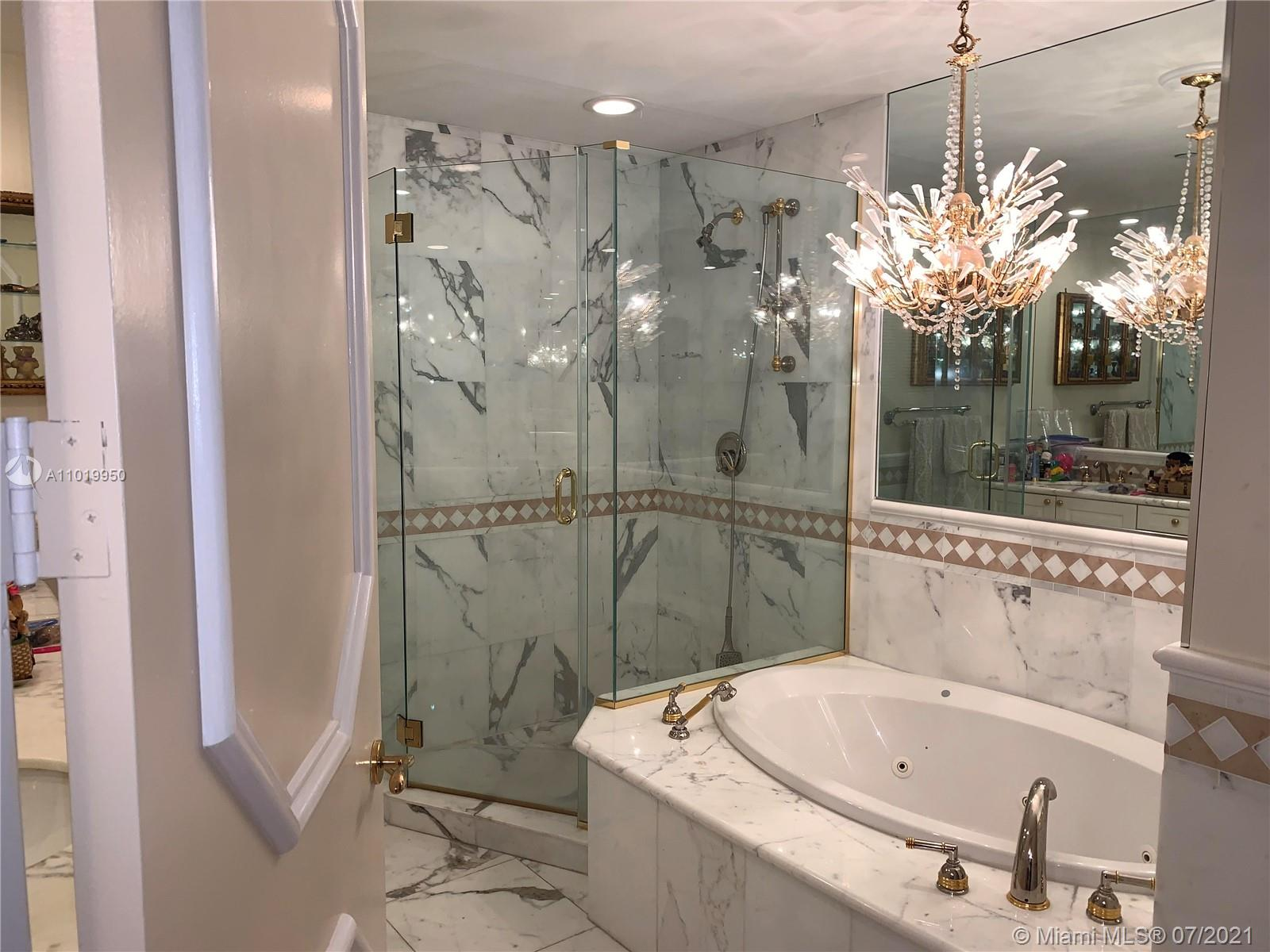 10225 Collins Ave #404 photo021