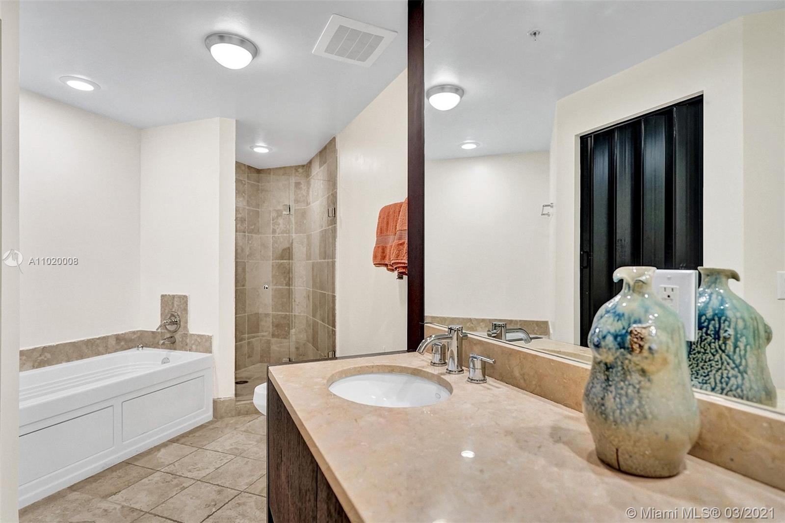 18201 Collins Ave #901A photo024