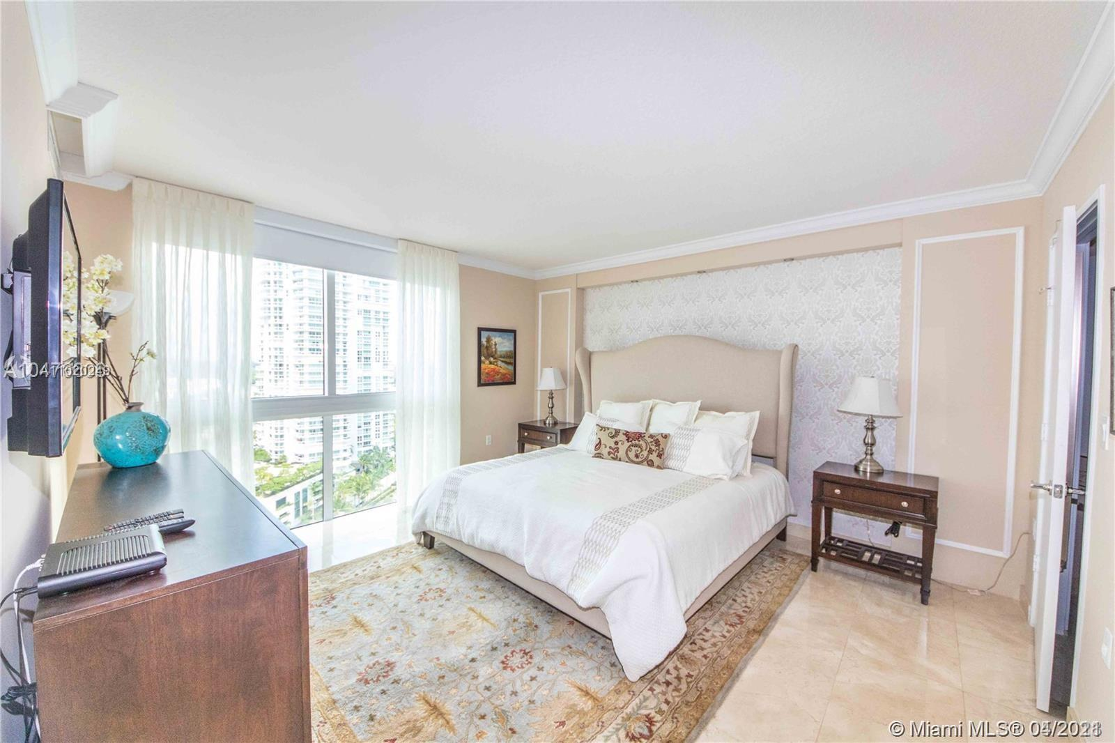150 Sunny Isles Blvd #1-1704 photo04
