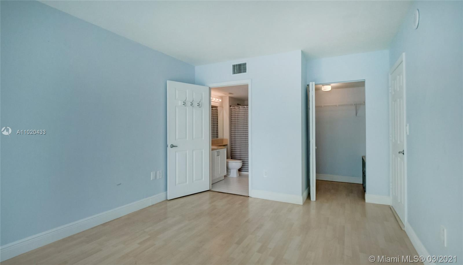 1155 Brickell Bay Dr #3201 photo013