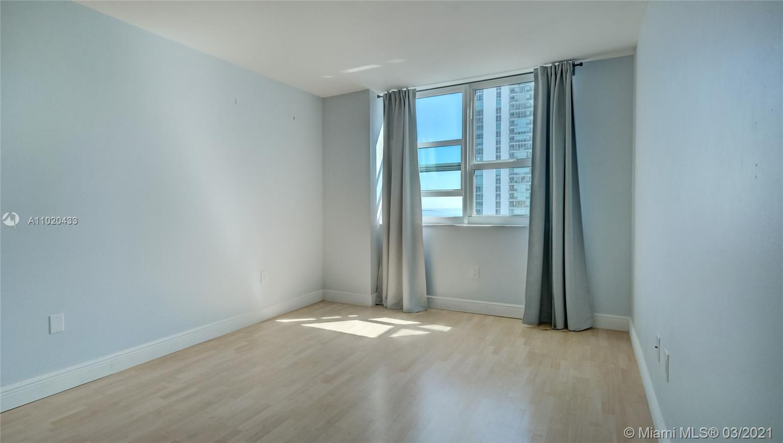 1155 Brickell Bay Dr #3201 photo08