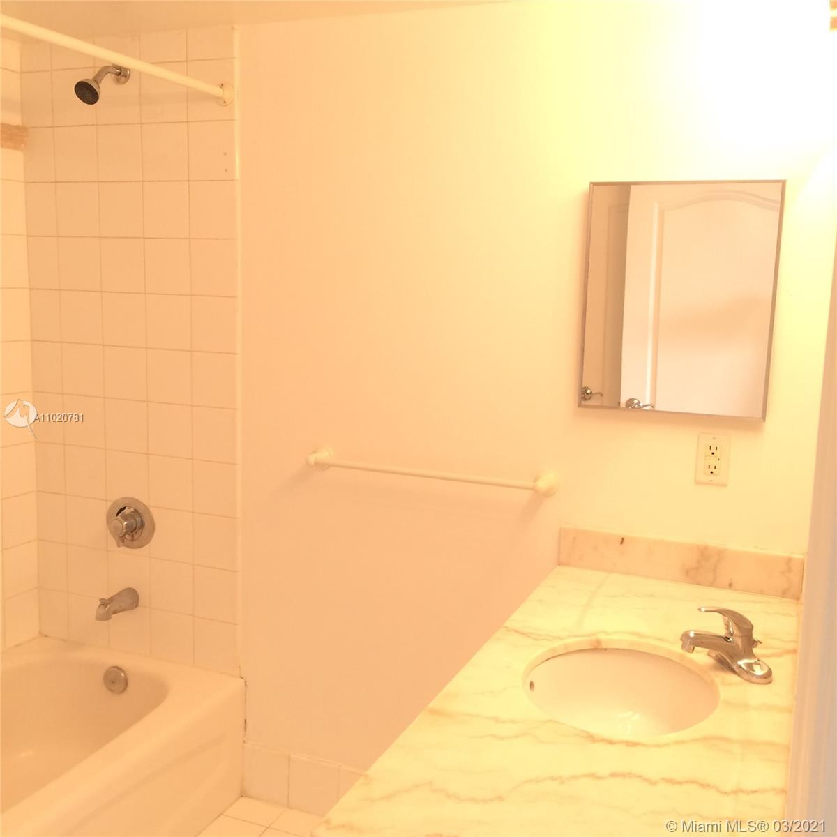 1200 Brickell Bay Dr #1605 photo027