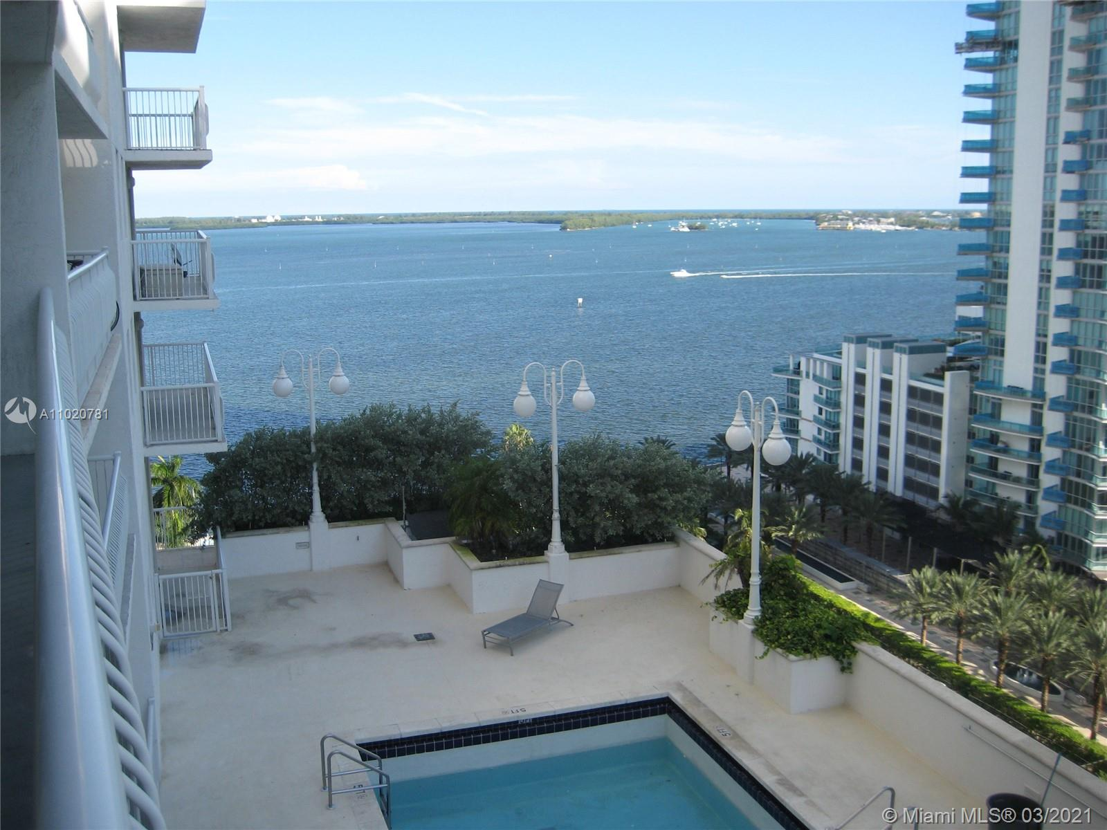 1200 Brickell Bay Dr #1605 photo02