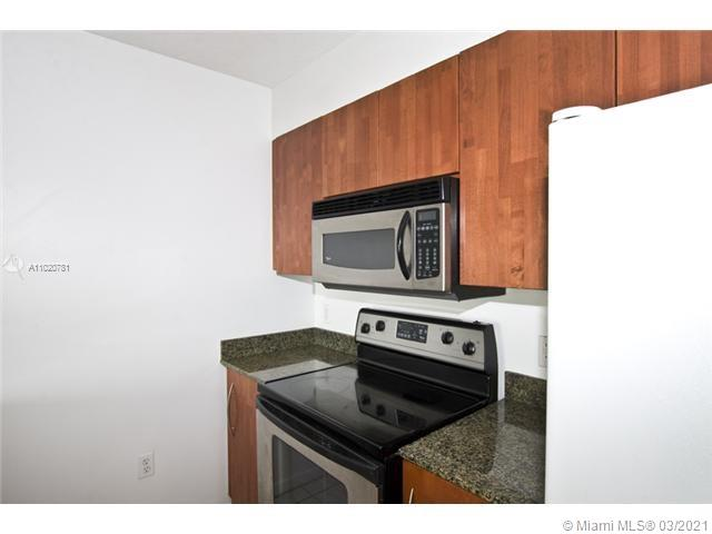 1200 Brickell Bay Dr #1605 photo06
