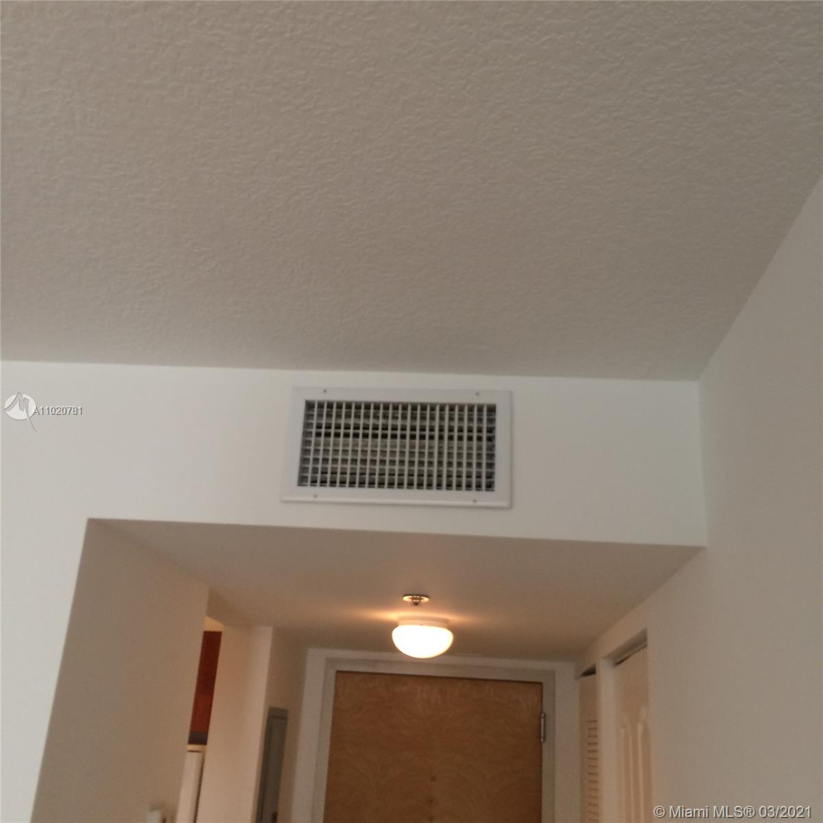 1200 Brickell Bay Dr #1605 photo017