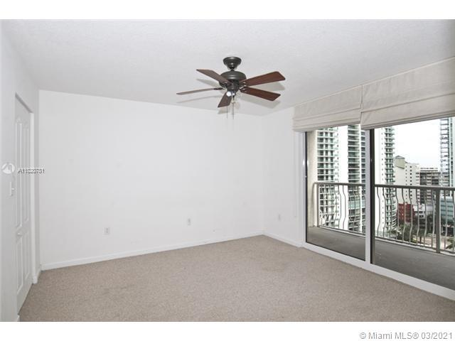 1200 Brickell Bay Dr #1605 photo014