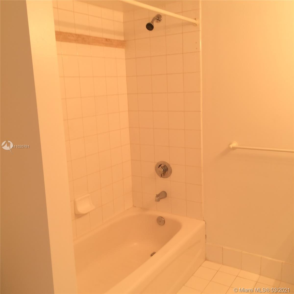 1200 Brickell Bay Dr #1605 photo029