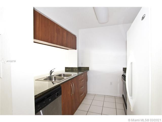 1200 Brickell Bay Dr #1605 photo04