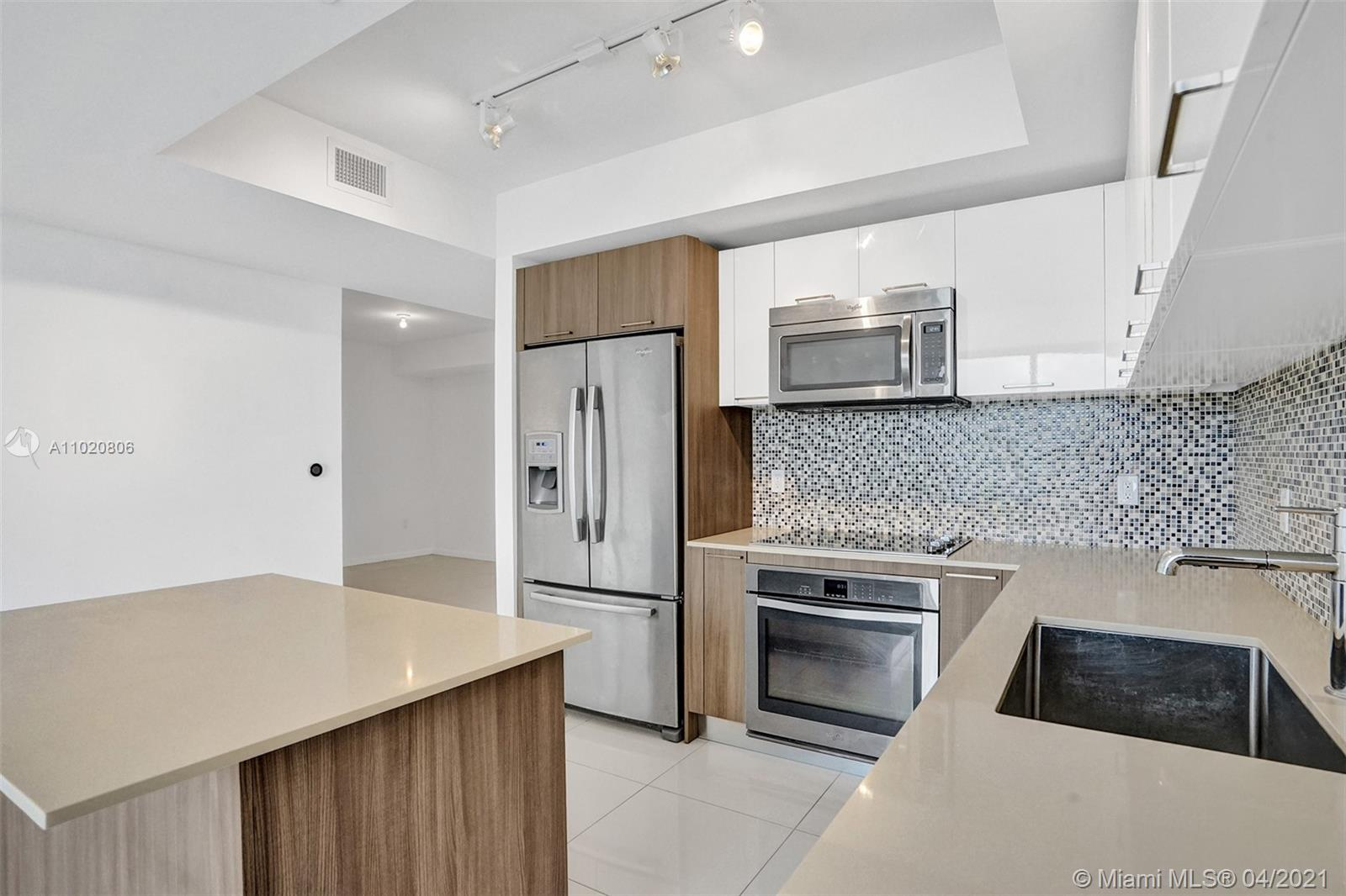 5252 NW 85th Ave #708 photo011