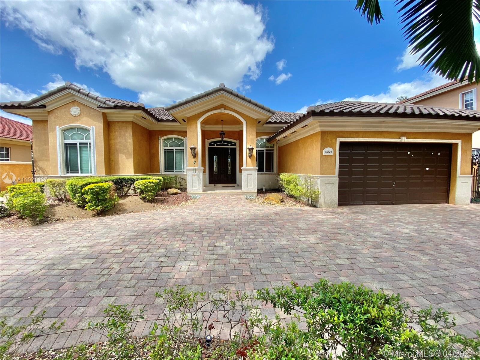 Miami Lakes - 16770 NW 86th Ct, Miami Lakes, FL 33016