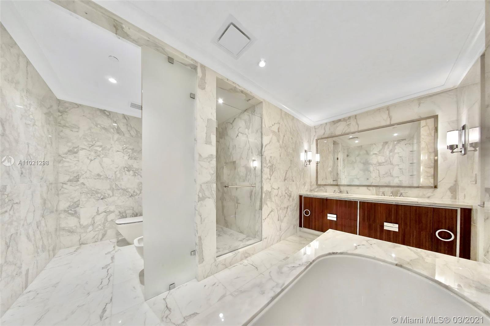 15701 Collins Ave #1803 photo016