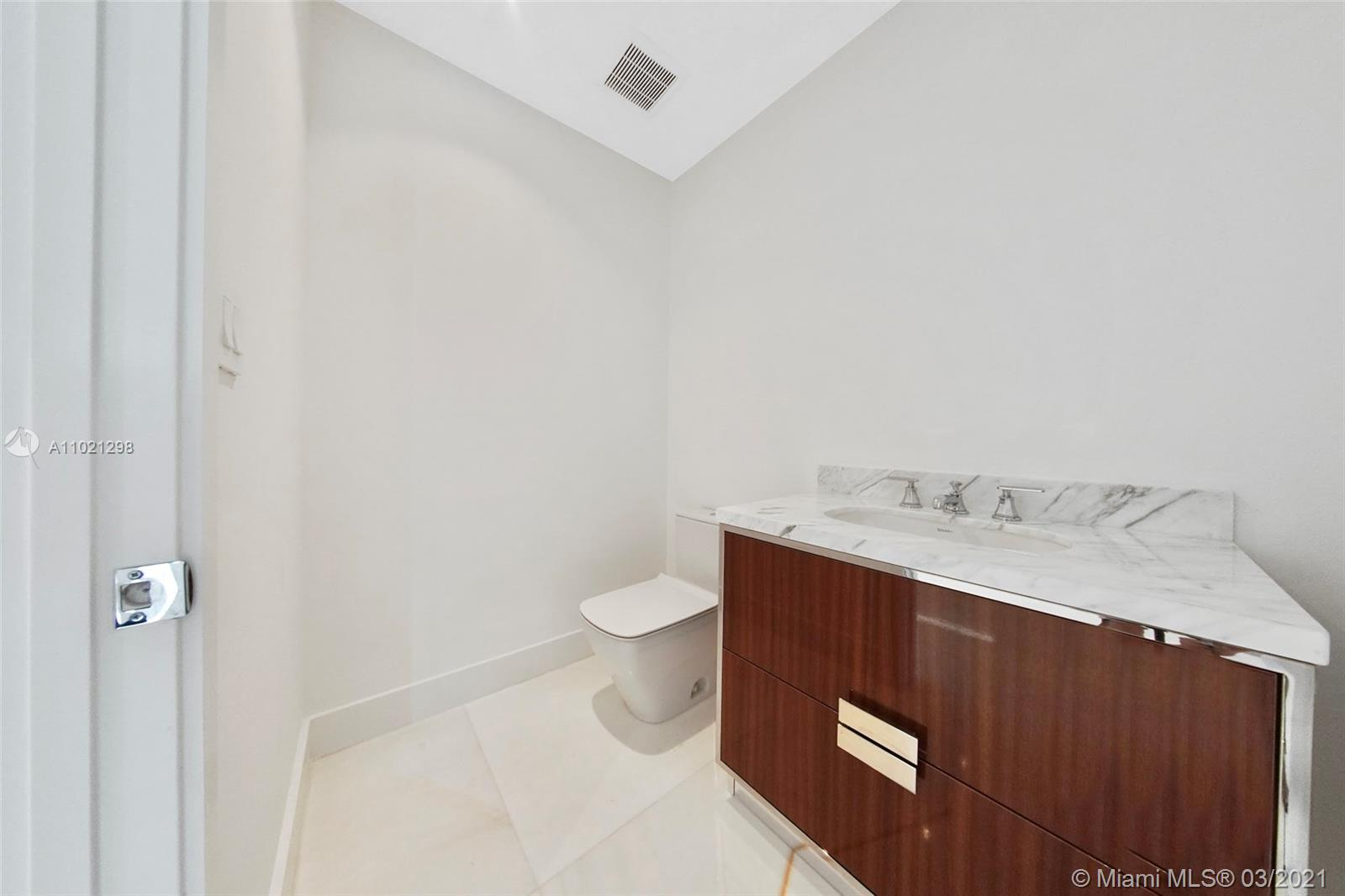 15701 Collins Ave #1803 photo010