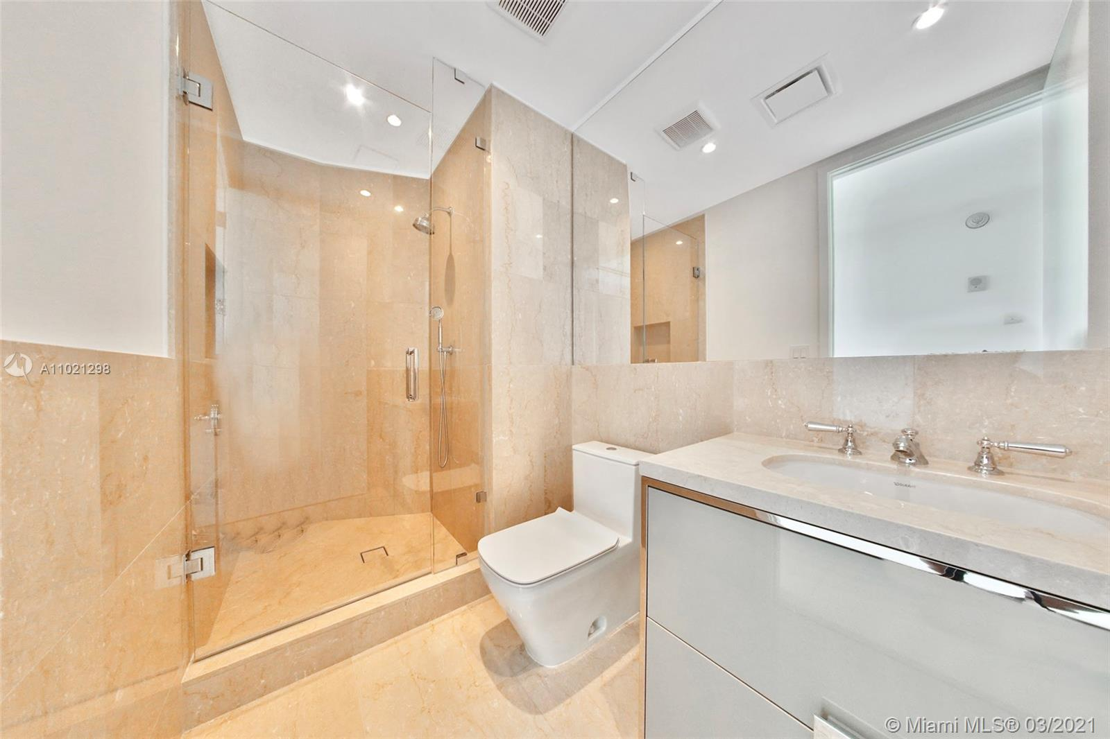 15701 Collins Ave #1803 photo019