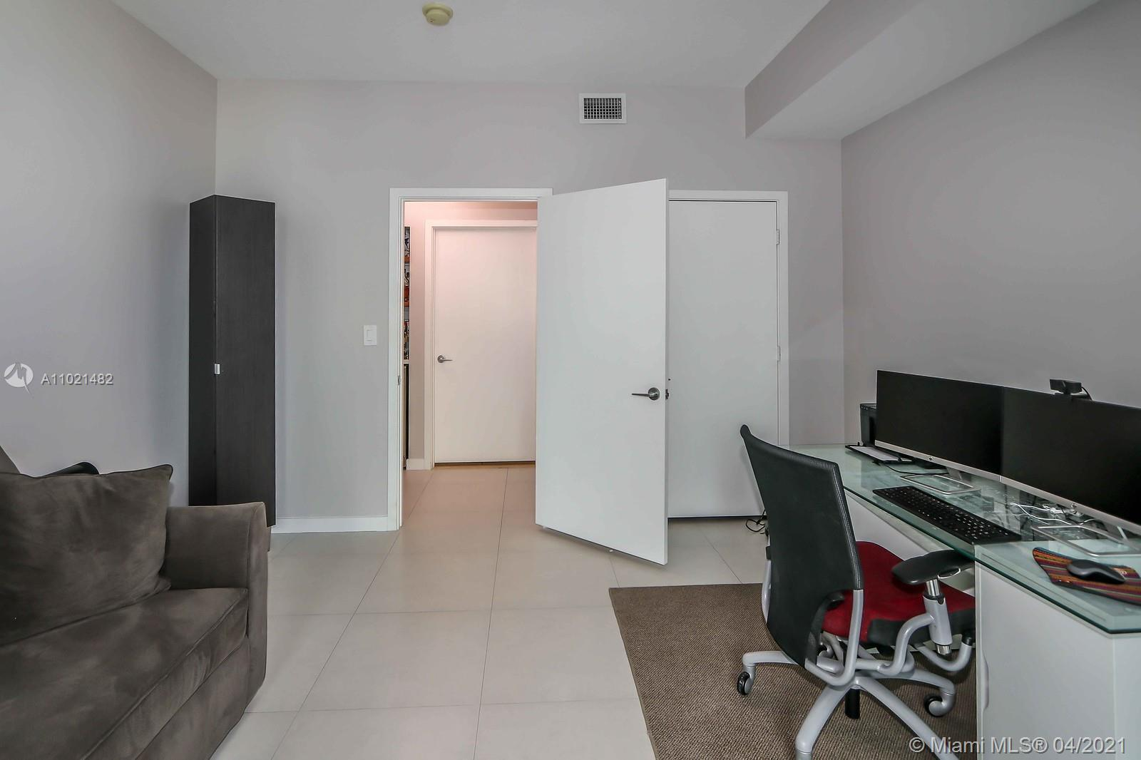 1111 SW 1st Ave #1623-N photo07