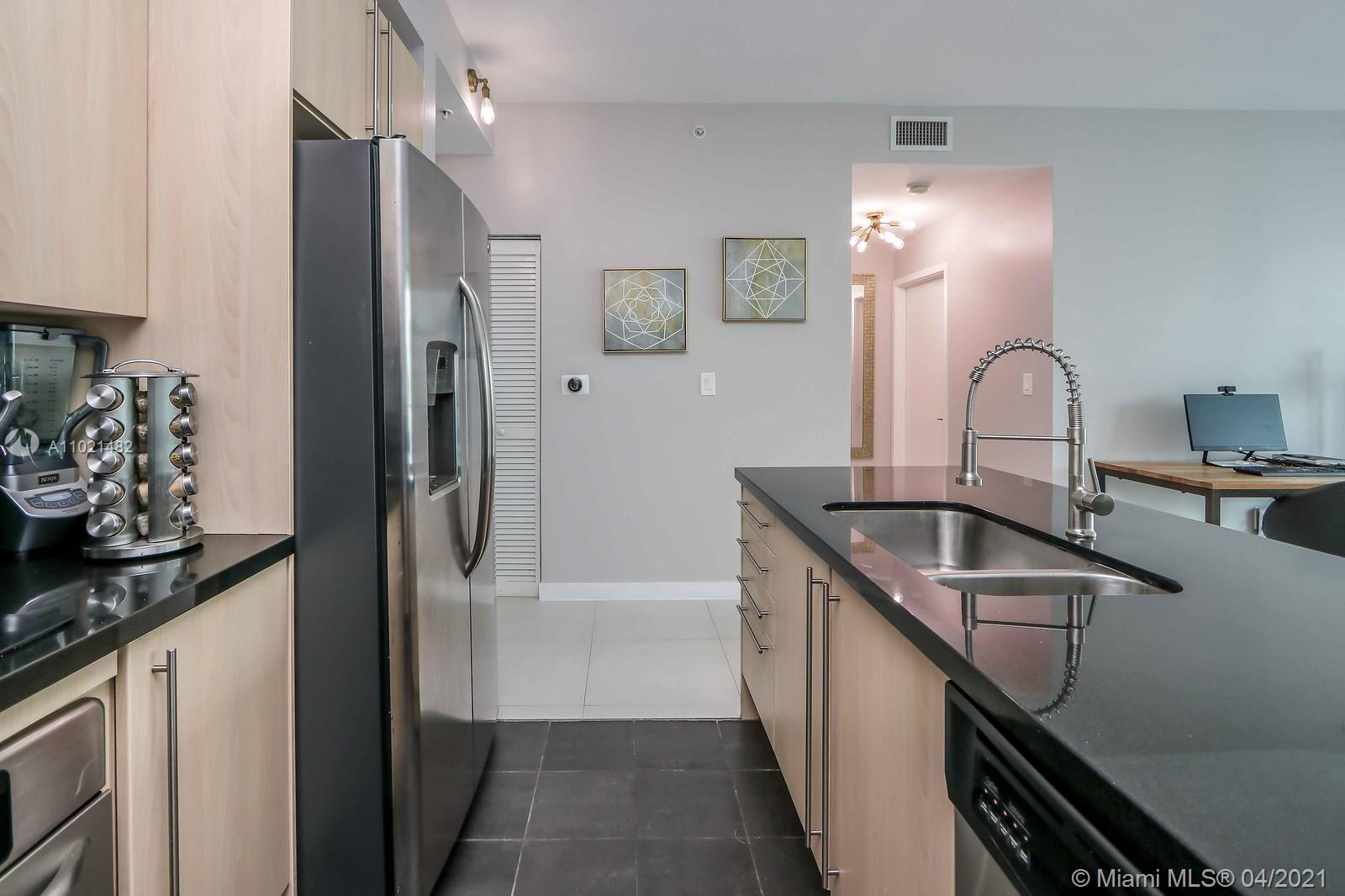 1111 SW 1st Ave #1623-N photo05