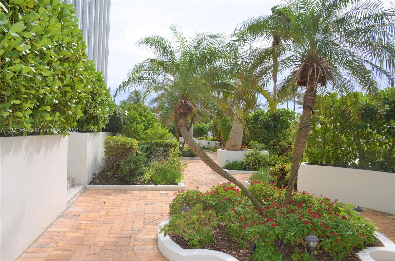 5055 Collins Ave #5A photo06