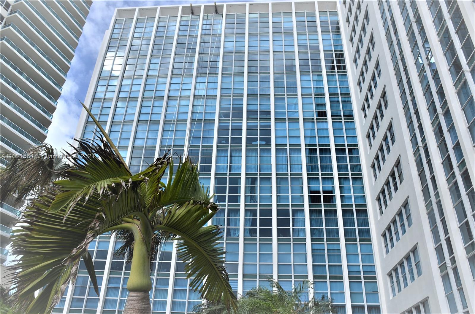 5055 Collins Ave #5A photo01