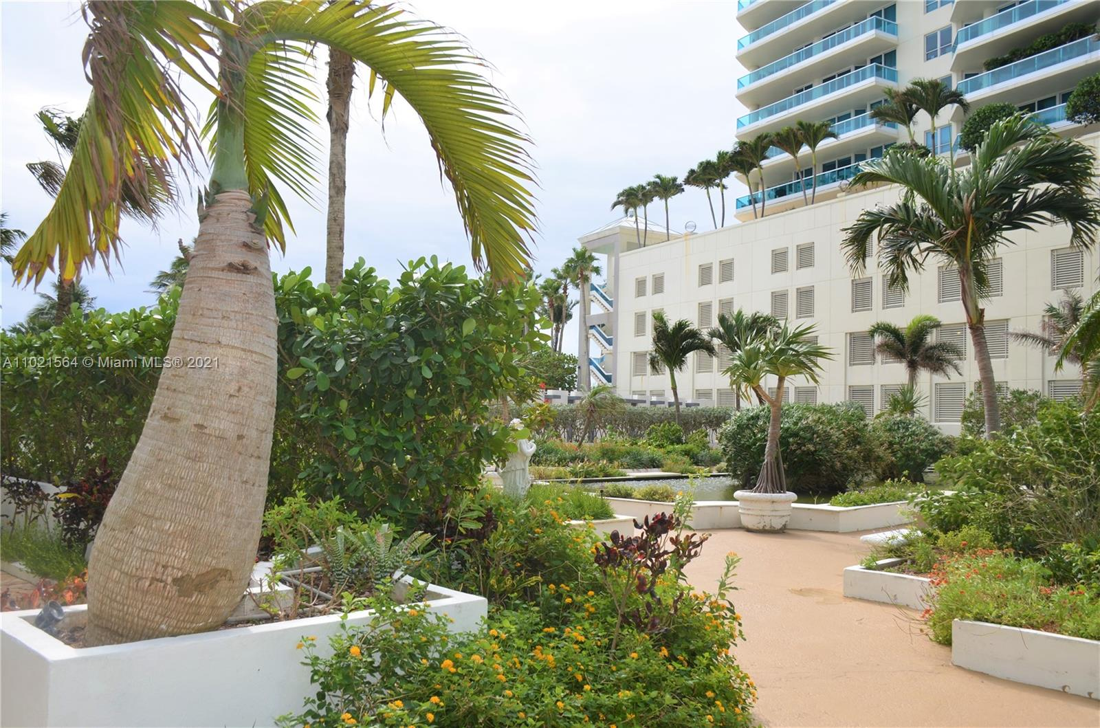 5055 Collins Ave #5A photo05