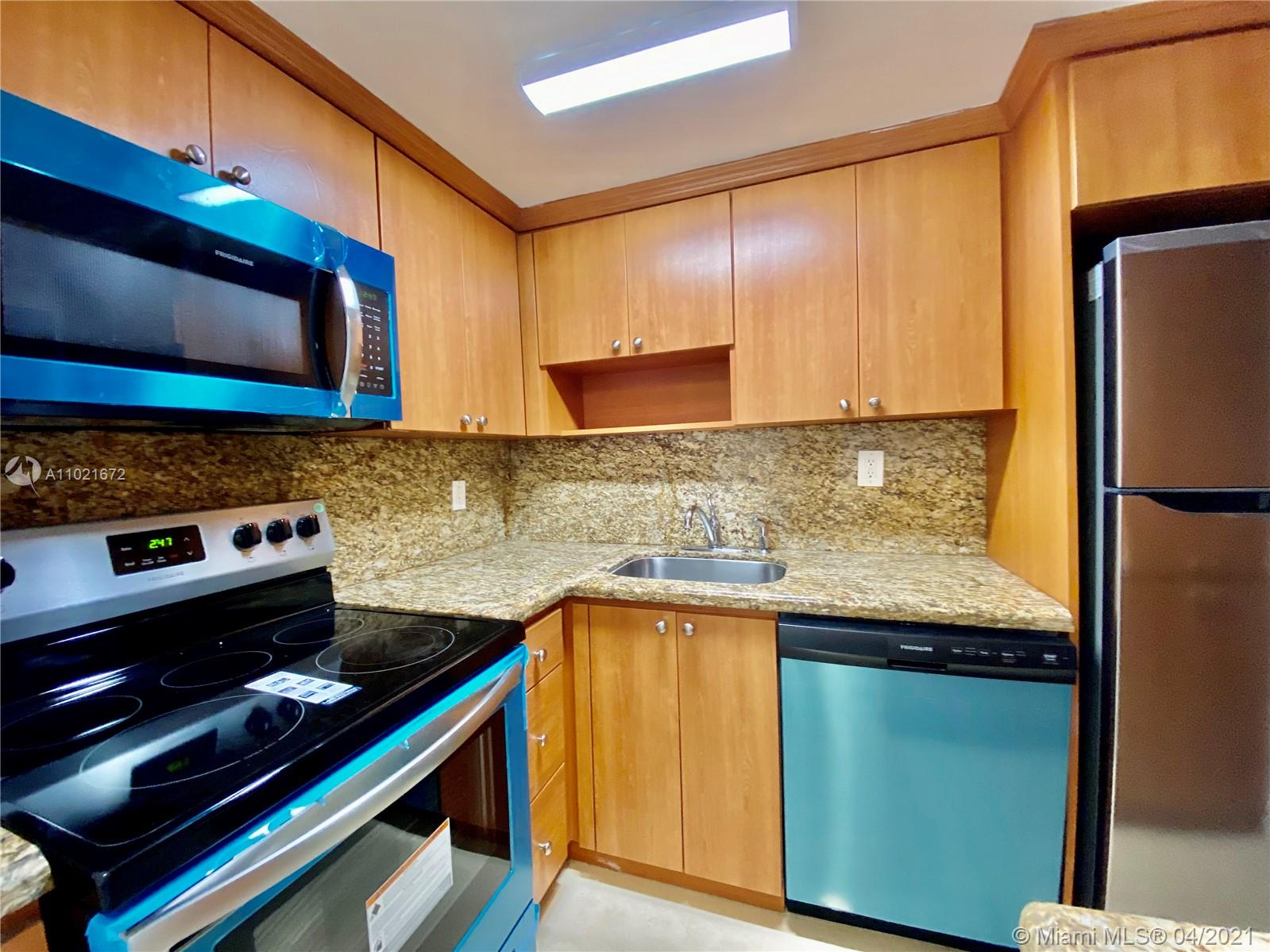 2899 Collins Ave #1148 photo02