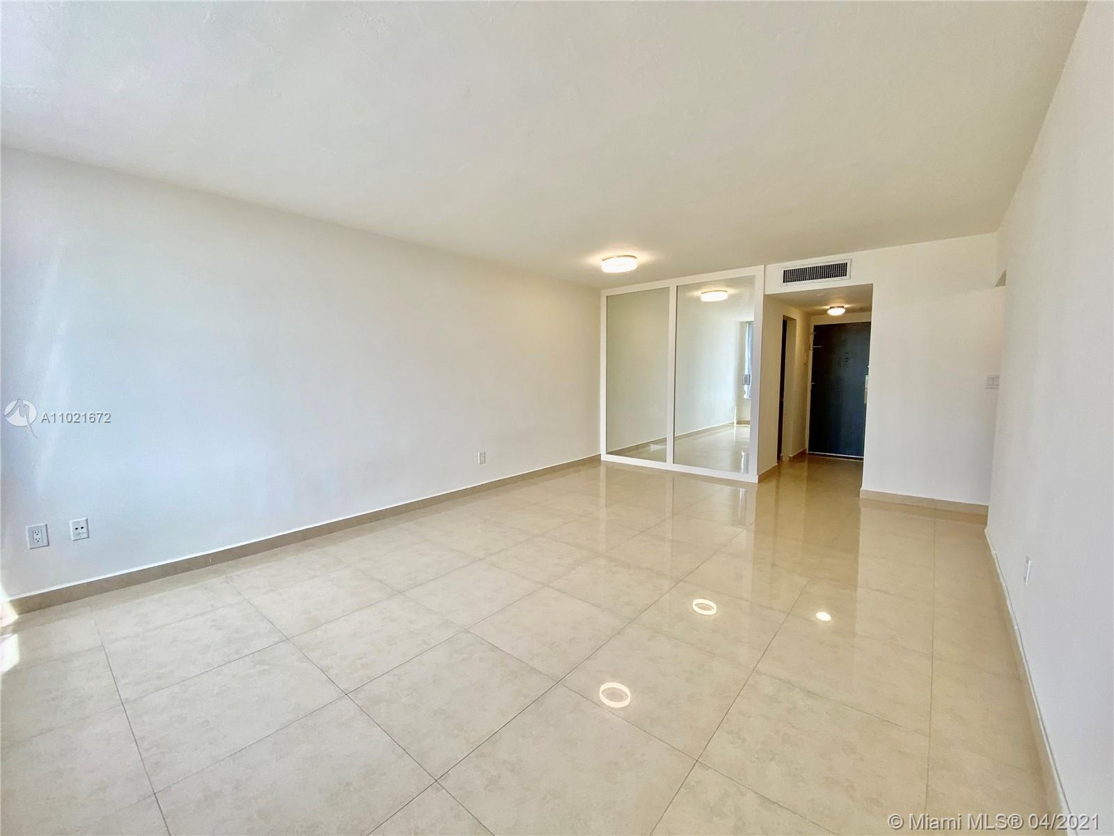 2899 Collins Ave #1148 photo06