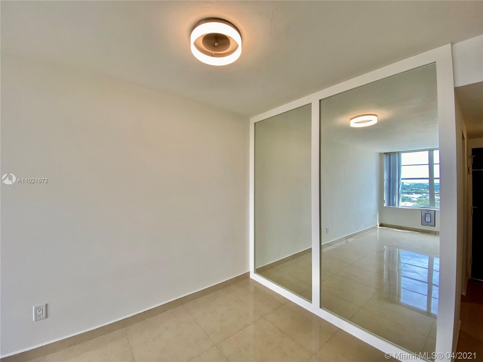 2899 Collins Ave #1148 photo07