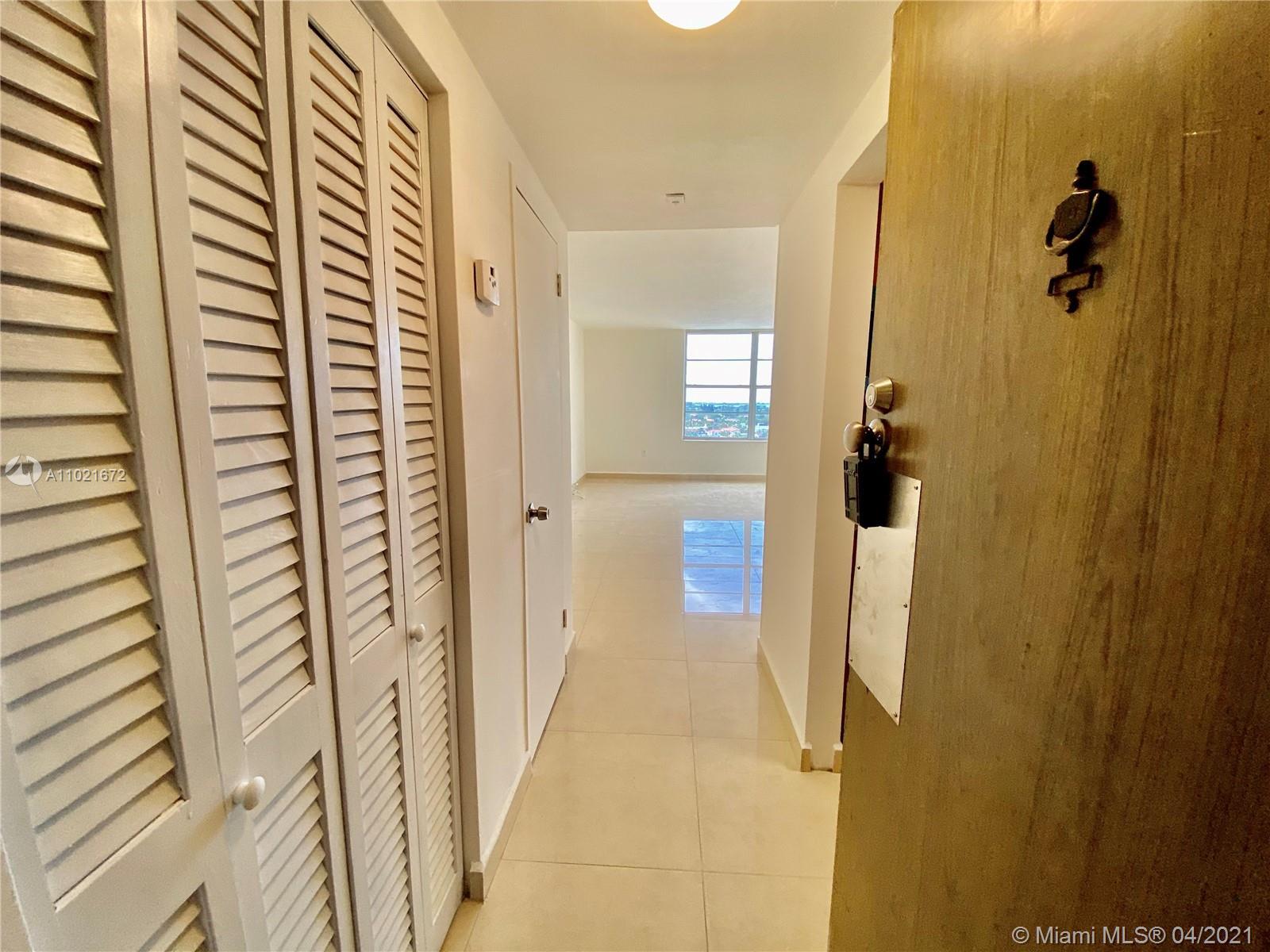Triton Tower #1148 - 2899 Collins Ave #1148, Miami Beach, FL 33140