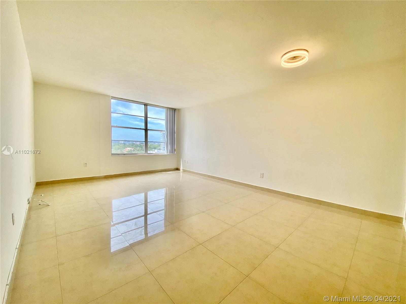 2899 Collins Ave #1148 photo05