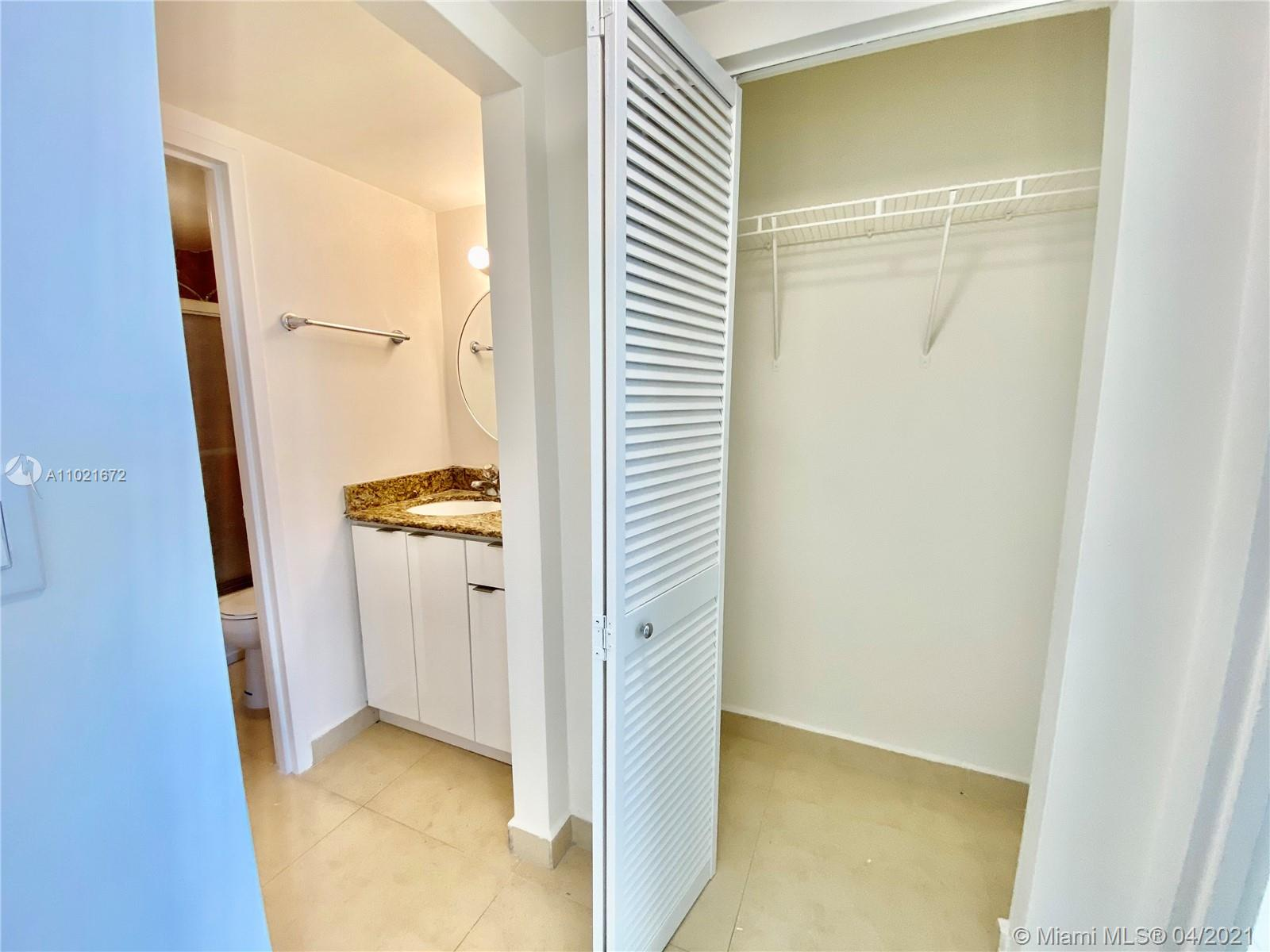 2899 Collins Ave #1148 photo09