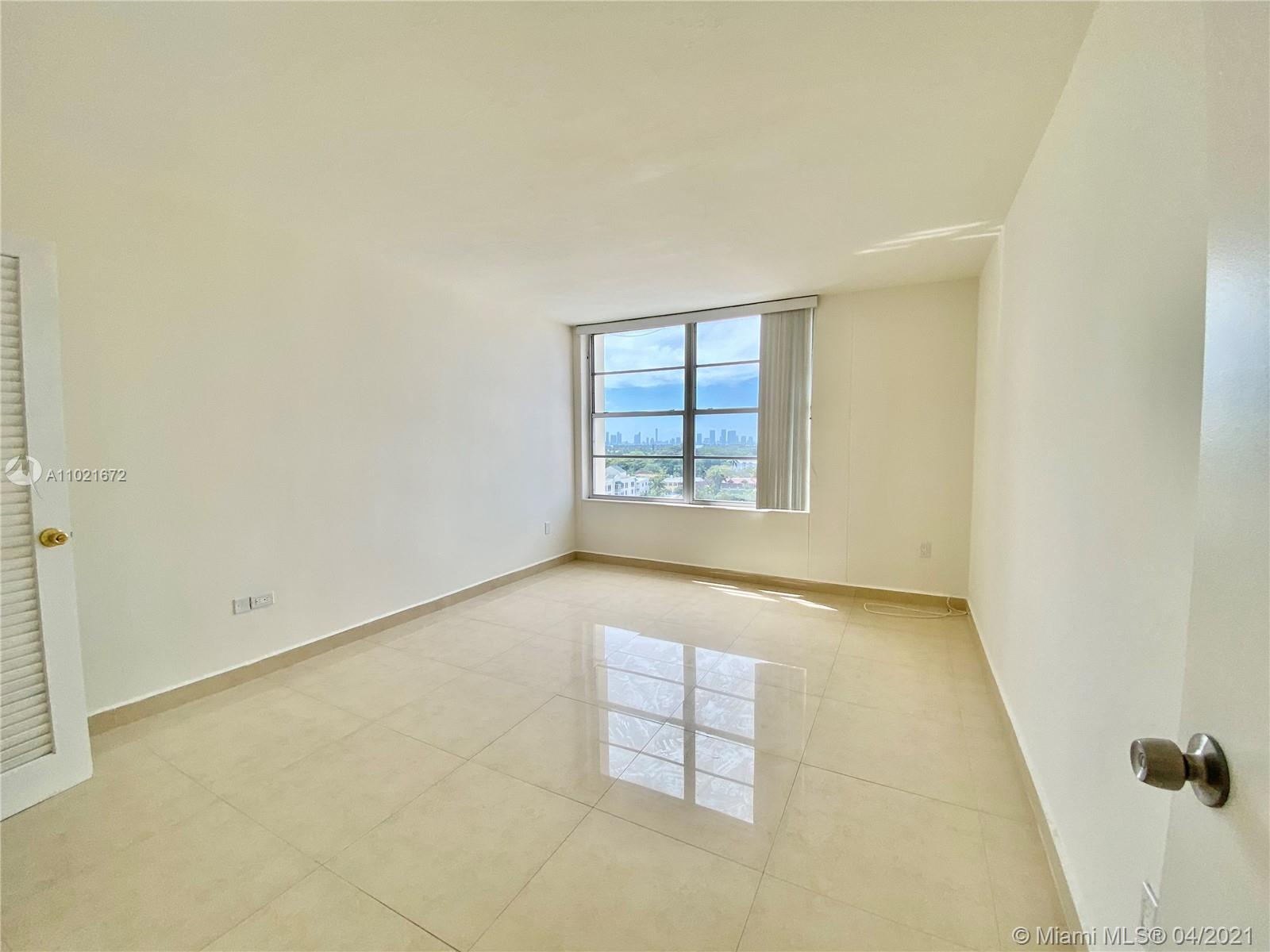 2899 Collins Ave #1148 photo015