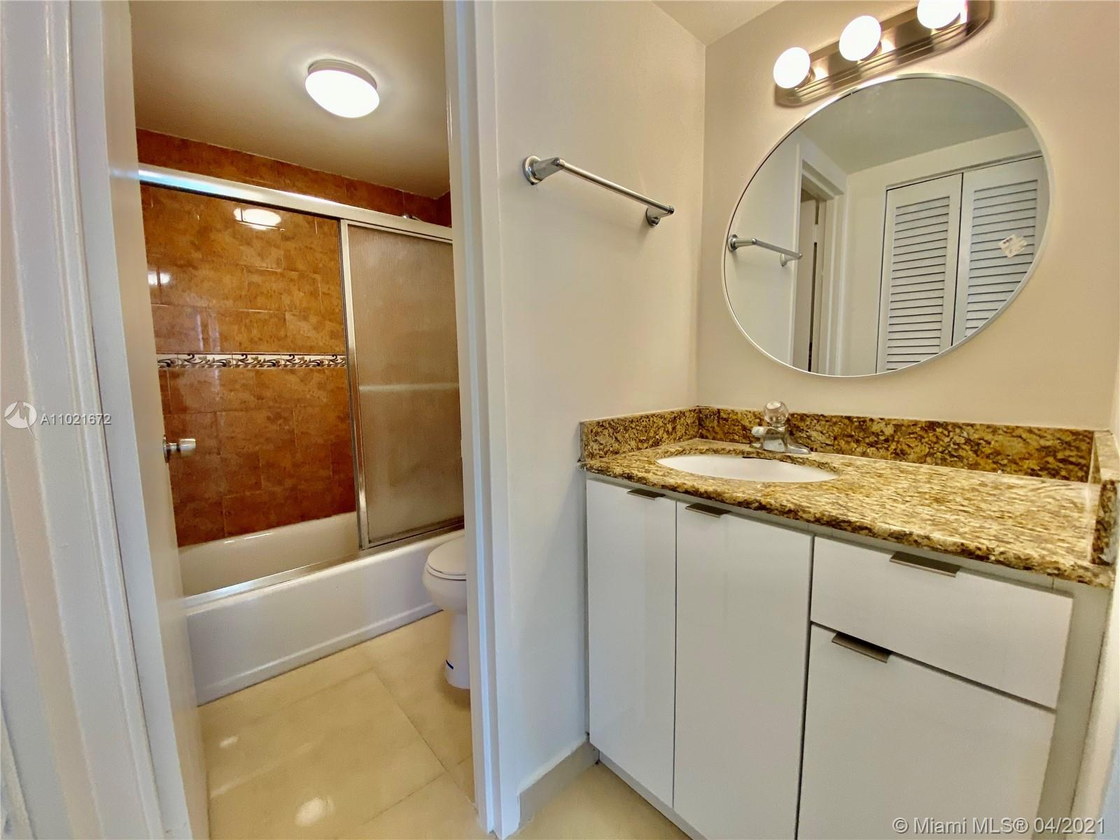 2899 Collins Ave #1148 photo08