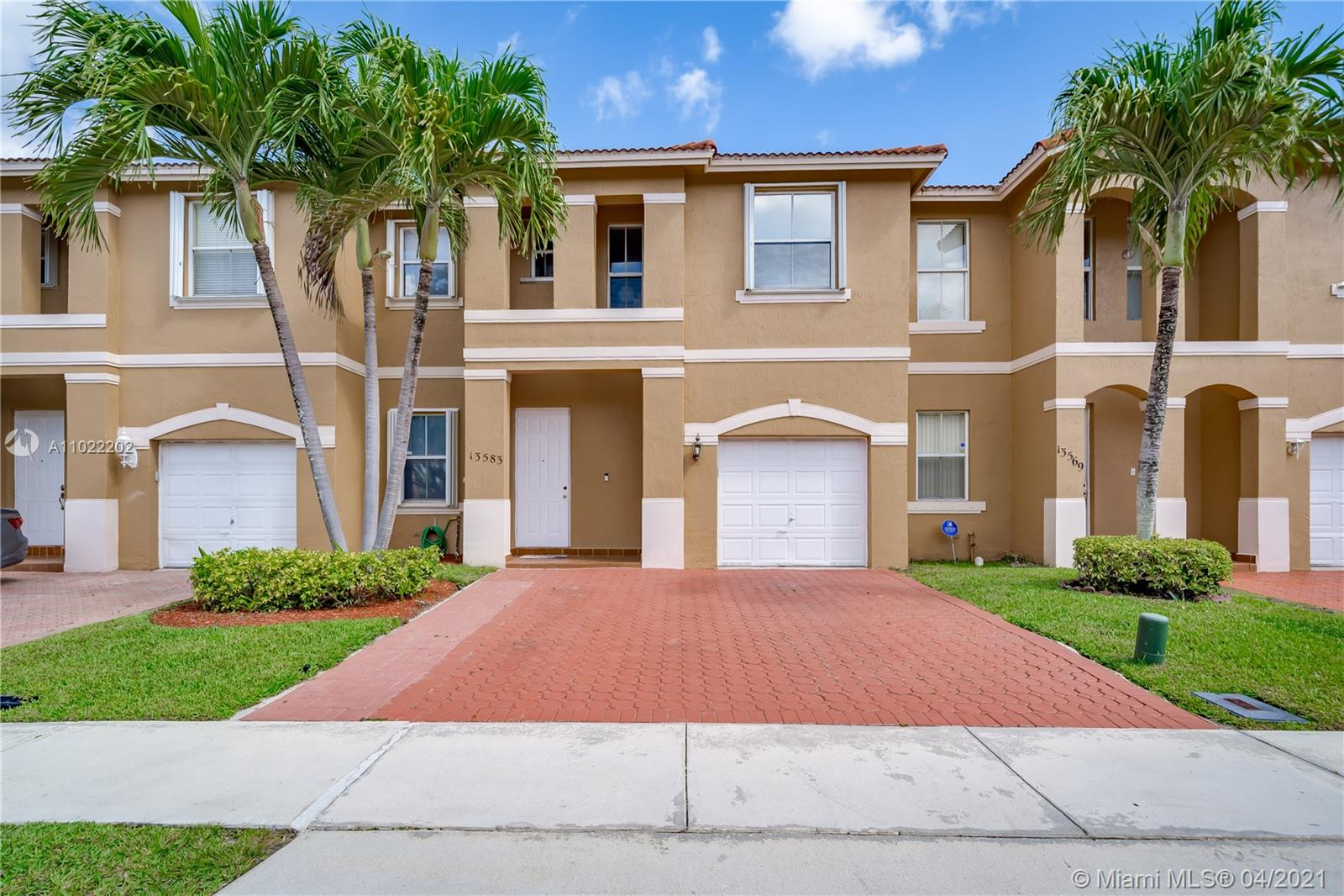Property for sale at 13583 NW 9th St Unit: 13583, Pembroke Pines,  Florida 33028