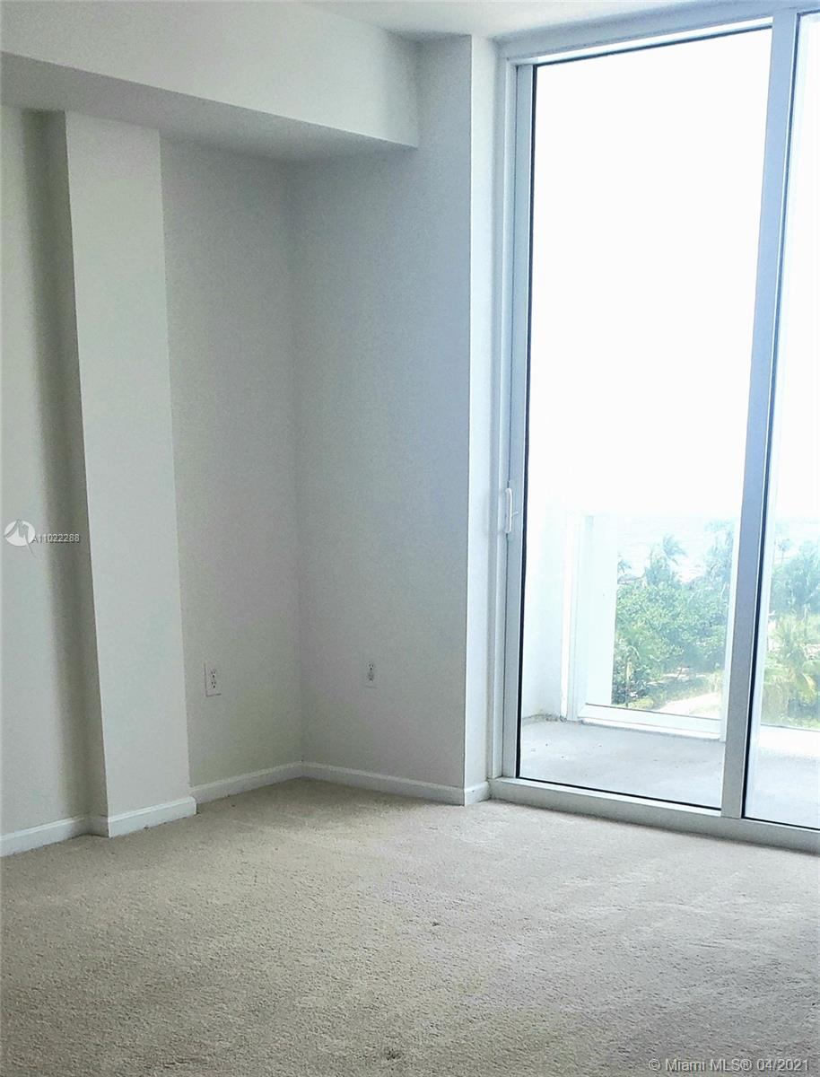 10275 Collins Ave #712 photo05