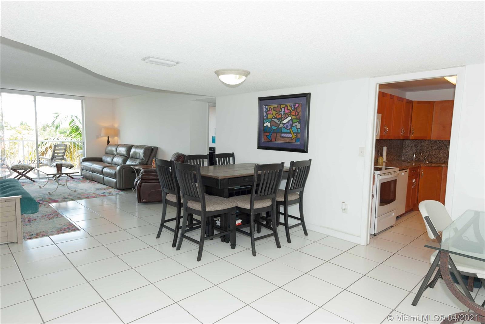 Cape Florida Club #405 - 210 SeaView Dr #405, Key Biscayne, FL 33149
