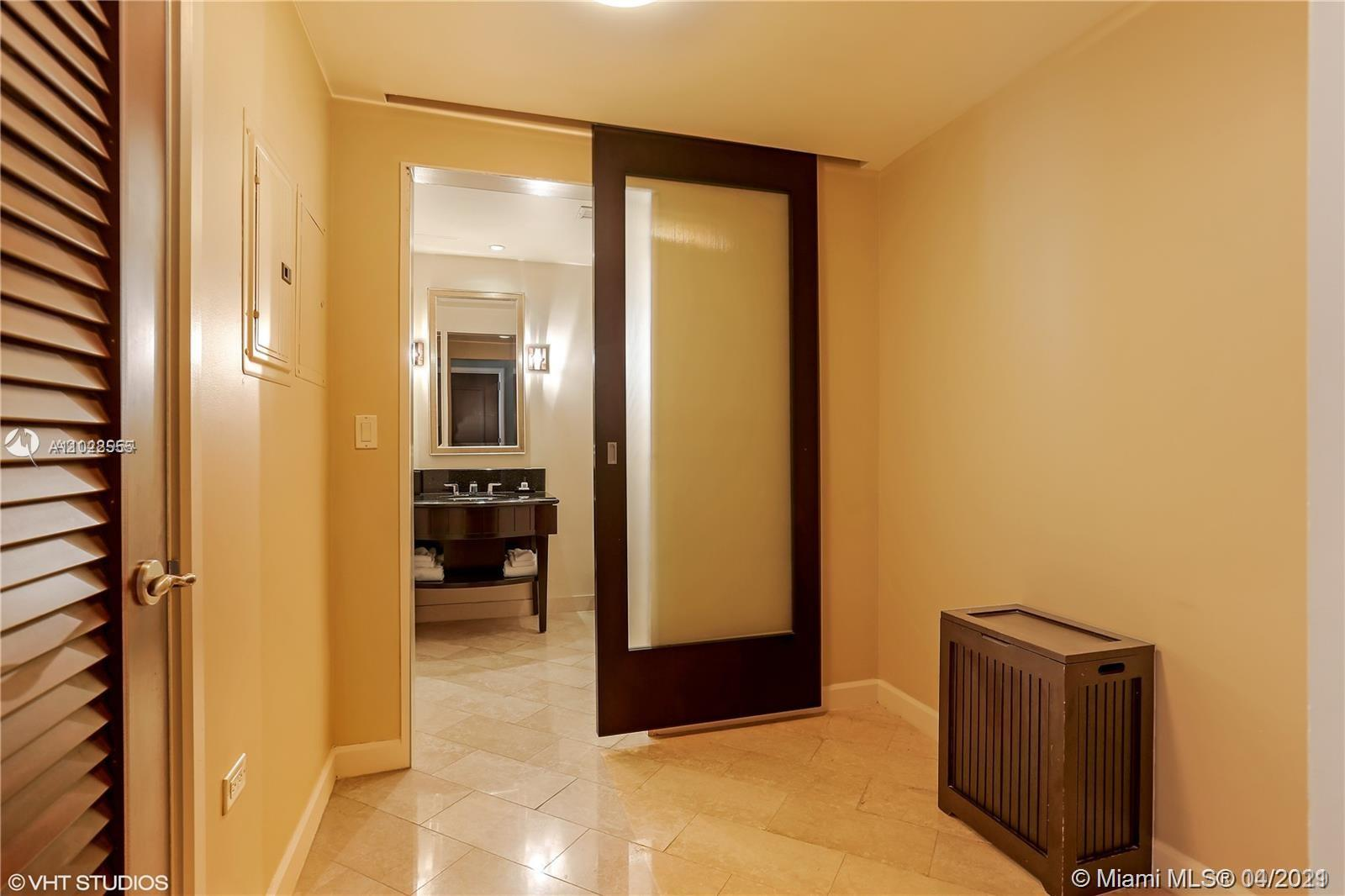 4391 Collins Ave #623 photo026