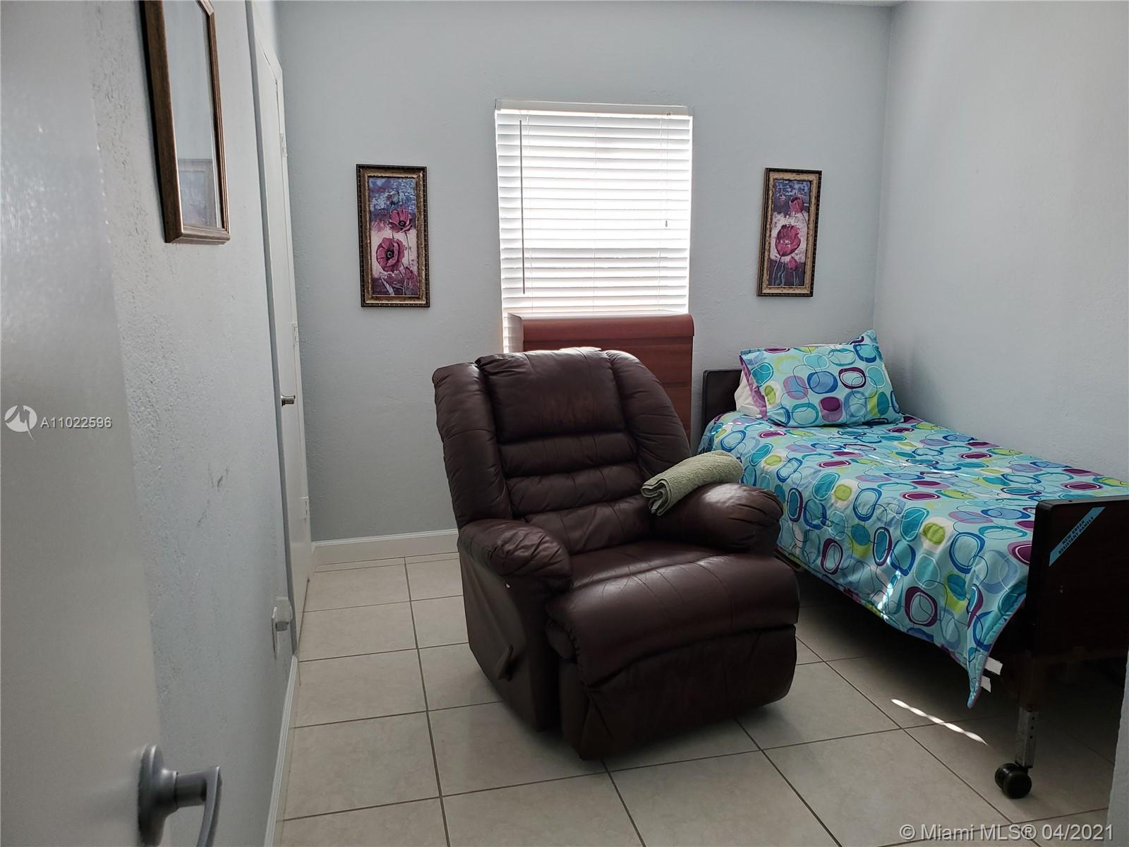 8231 SW 33rd Ter photo013