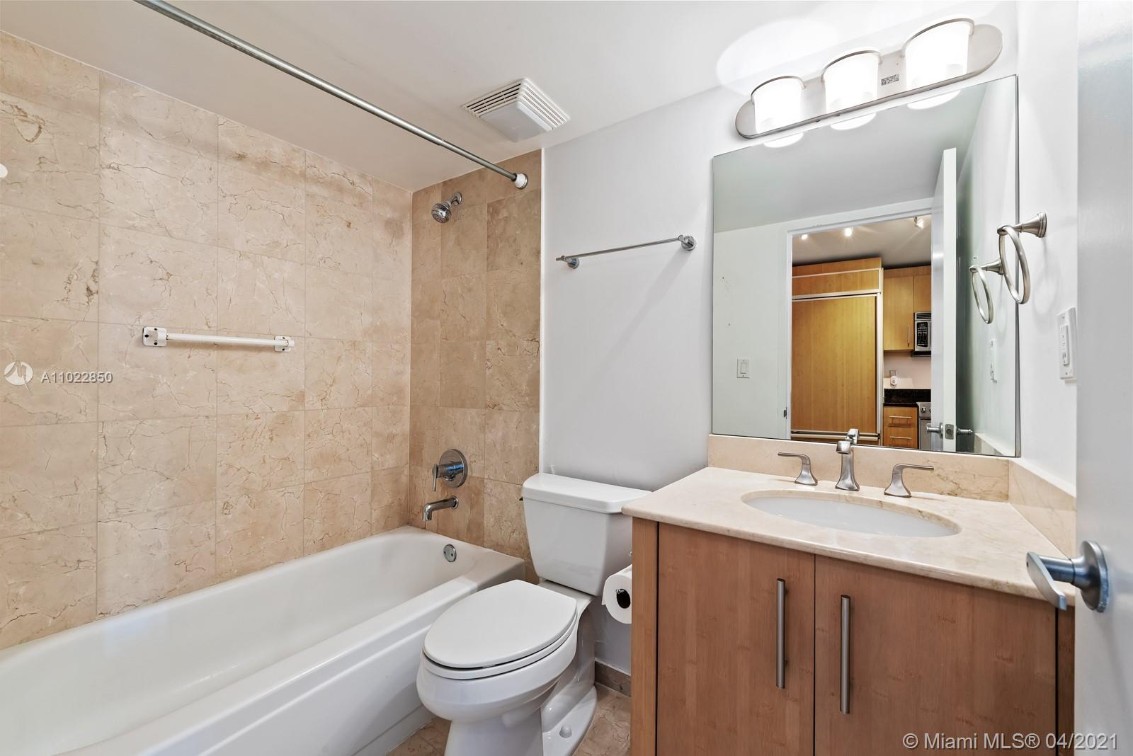 10275 Collins Ave #801 photo013