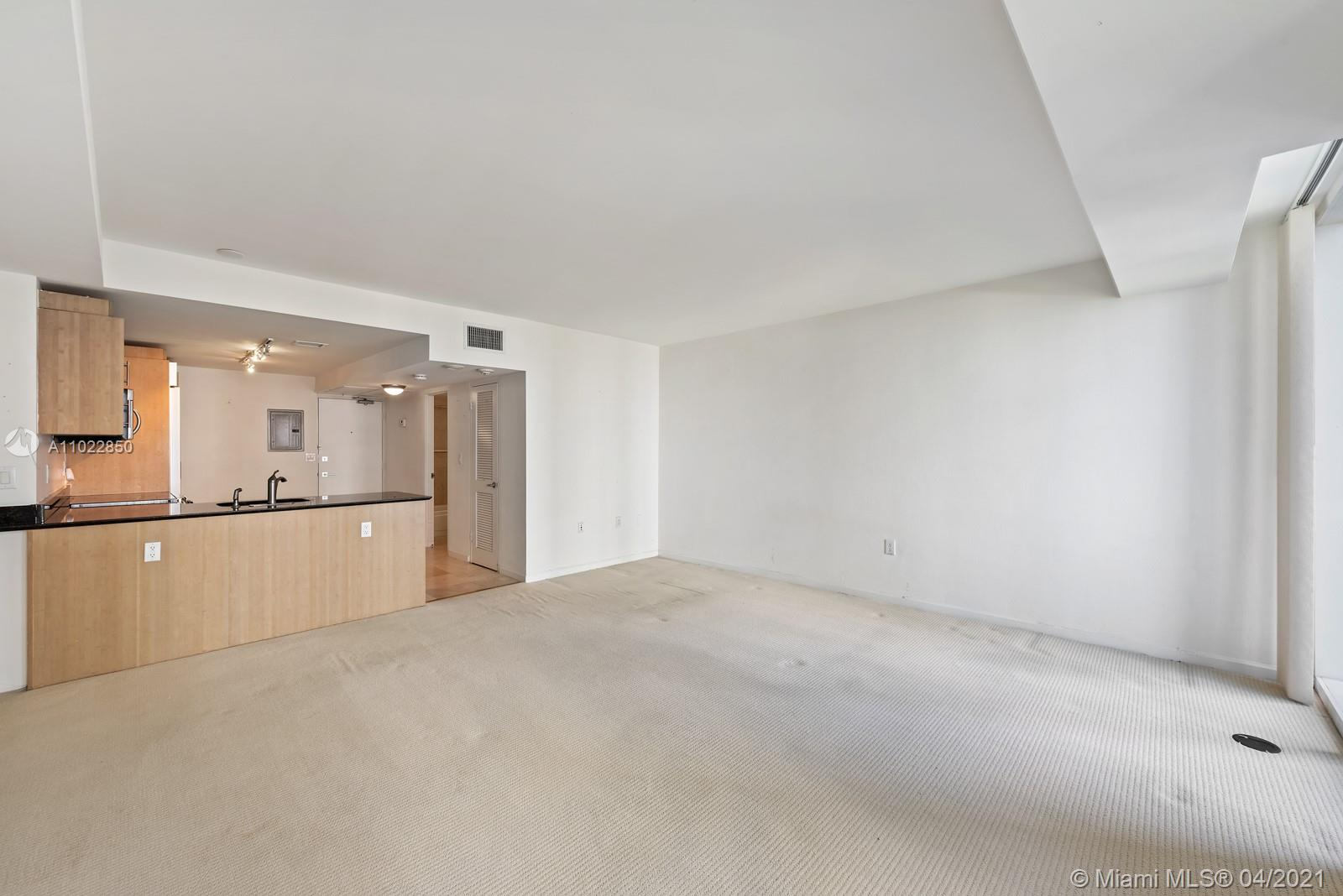 10275 Collins Ave #801 photo09