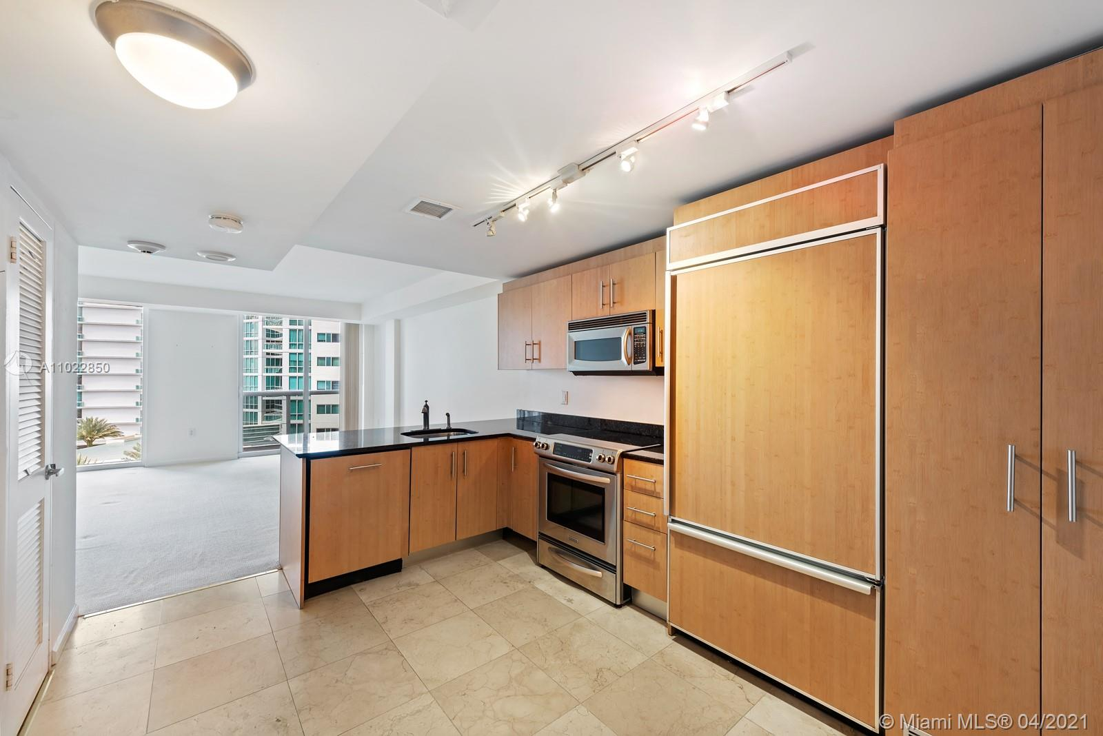 10275 Collins Ave #801 photo010