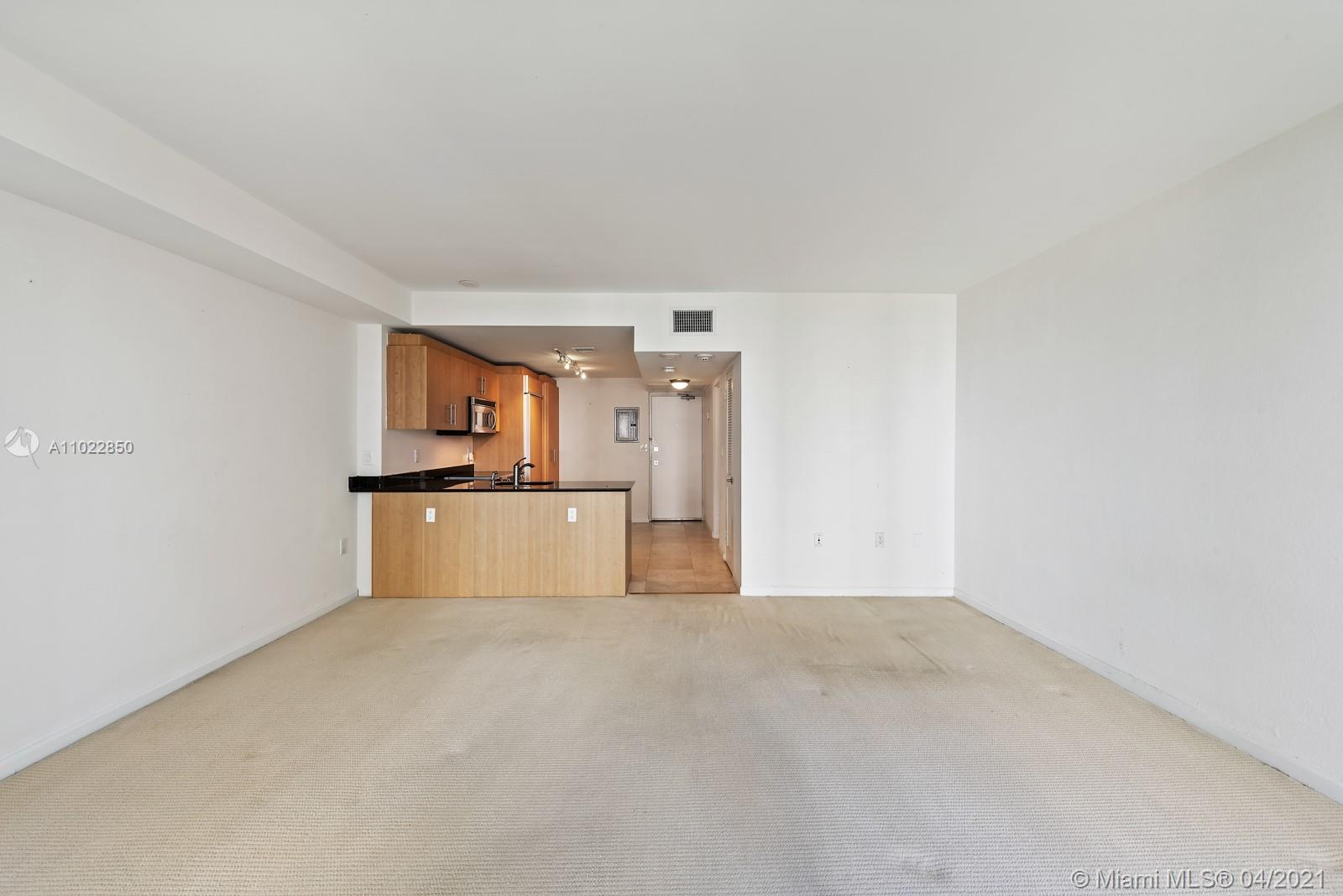 10275 Collins Ave #801 photo08