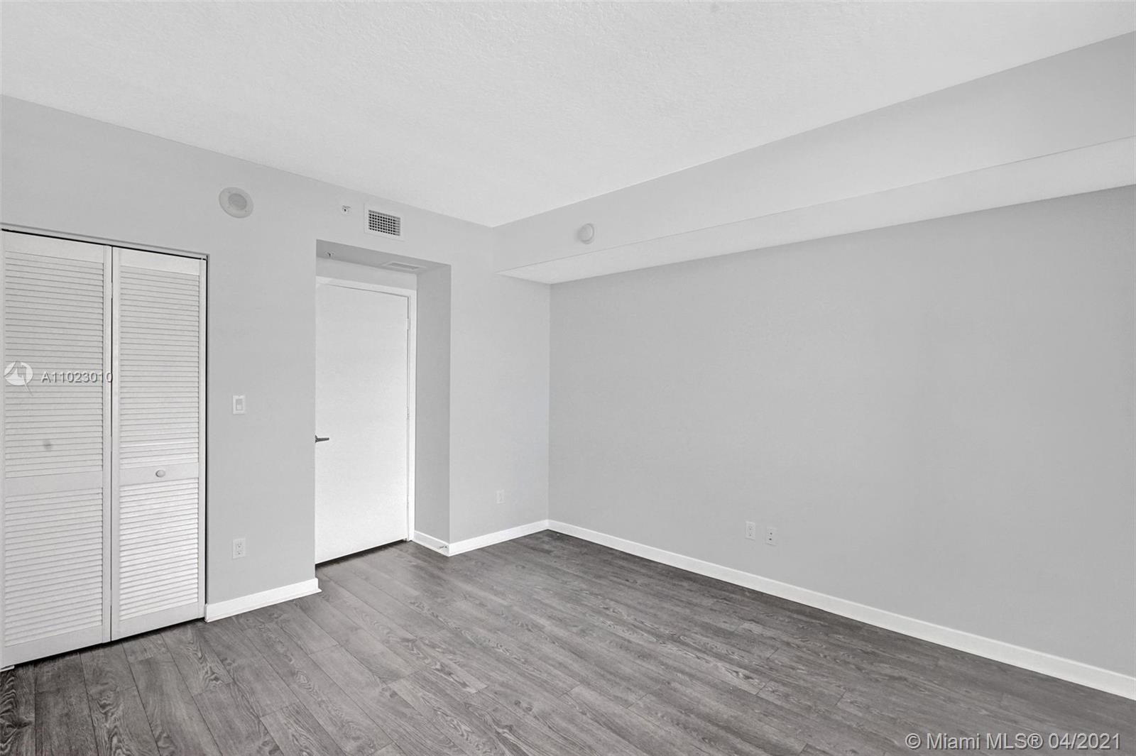 325 S Biscayne Blvd #4018 photo025
