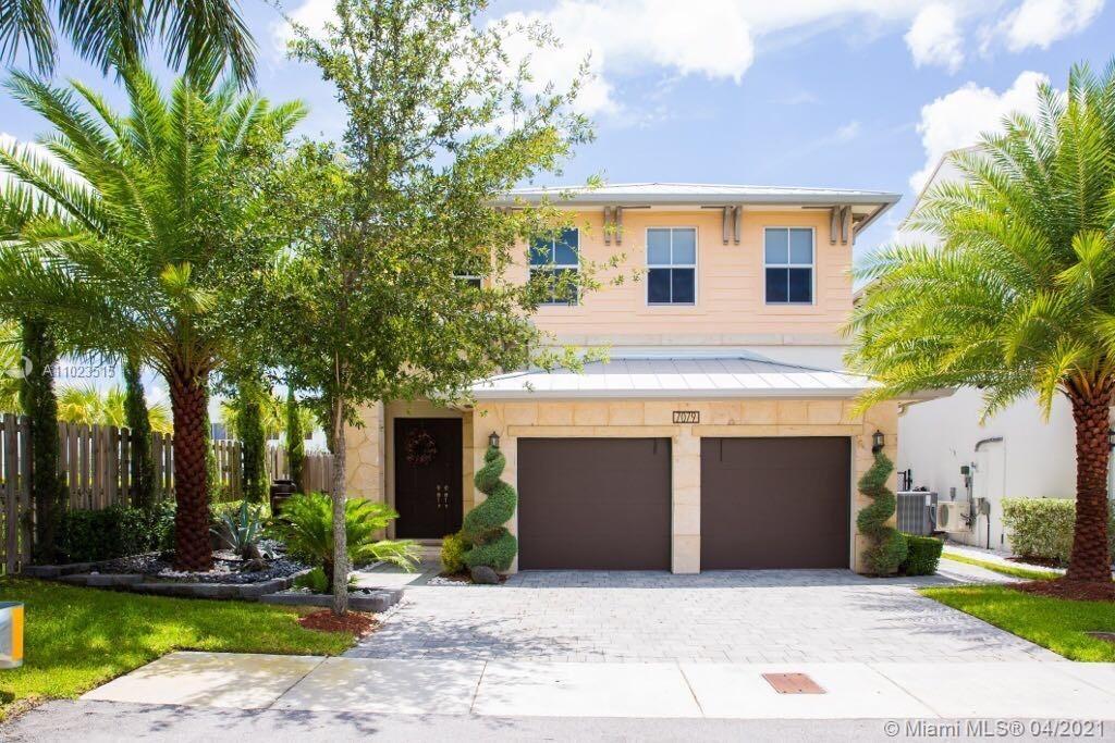 Vintage Estates - 7079 NW 104th Ct, Doral, FL 33178